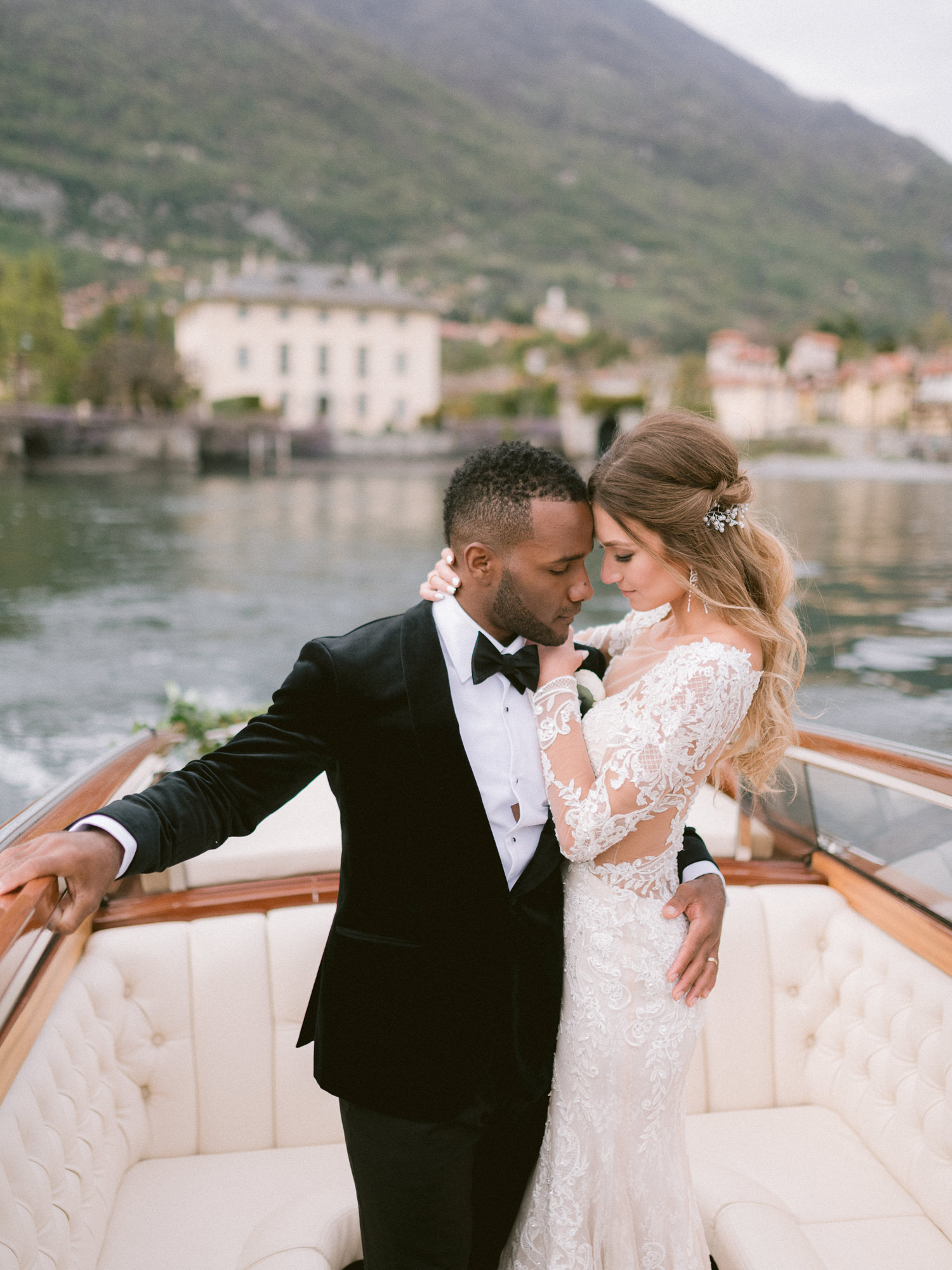 Couple leaving Lake Como wedding venue - photo by Gianluca Adovasio Photography - Italy