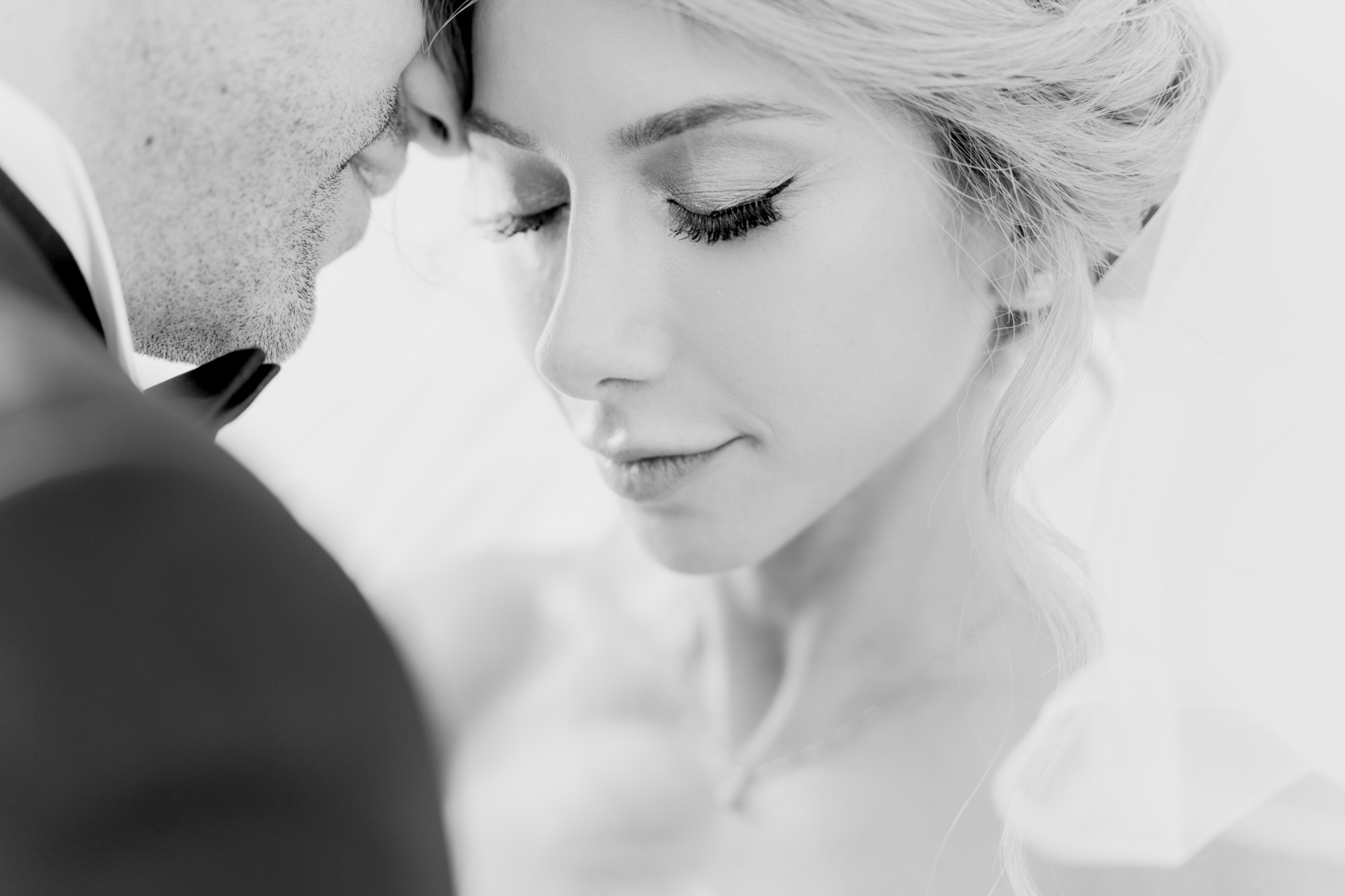 Romantic couple in portrait, black and white photography photo by David Bastianoni, Italy wedding photographers