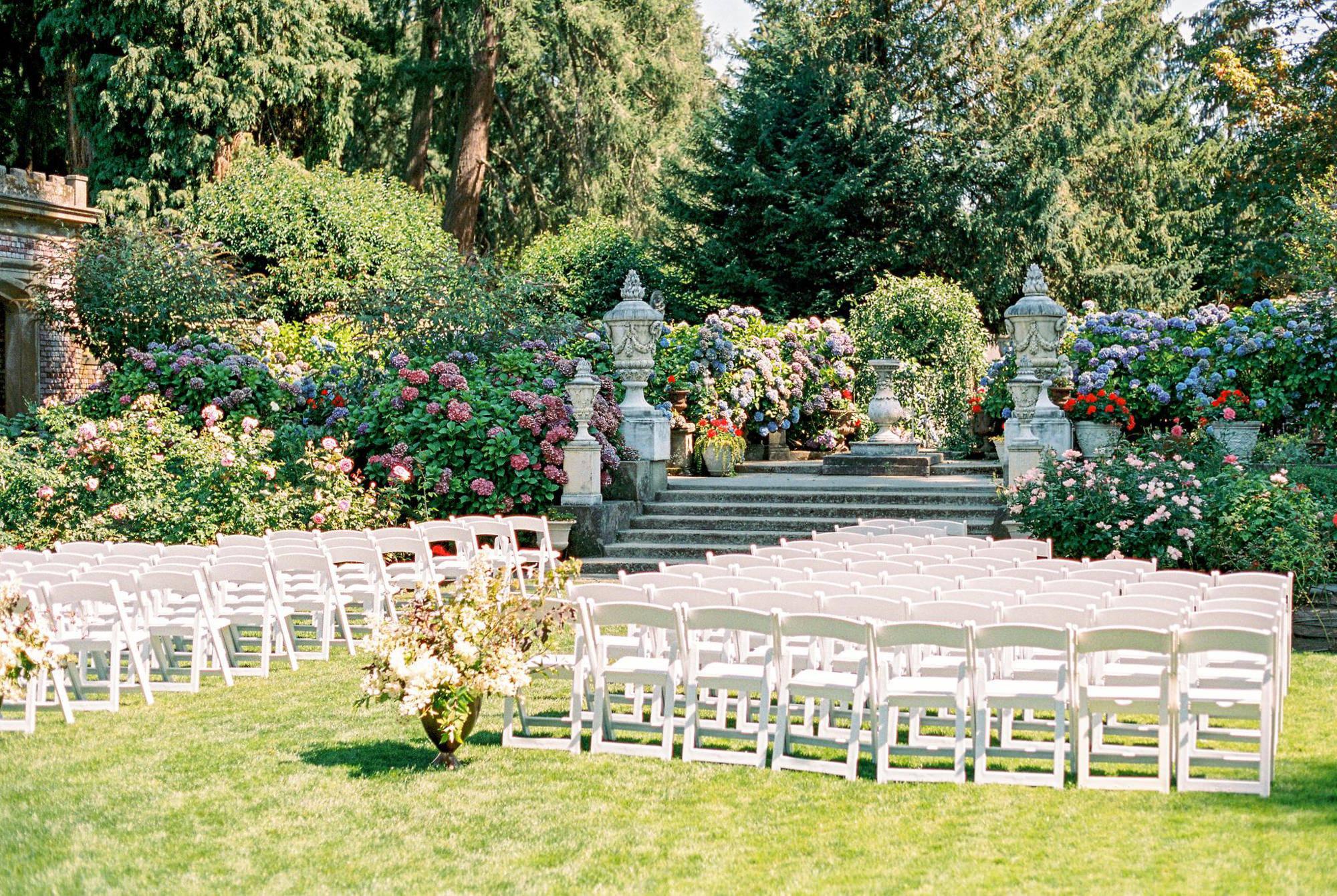 Thornewood castle summer garden ceremony site - Photo by Benj Haisch