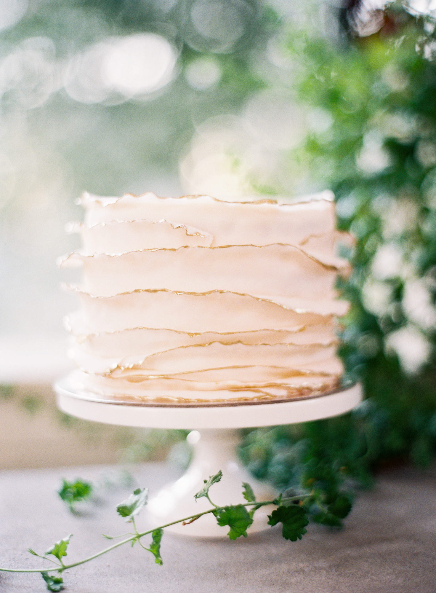 fondanWedding cake gold wafer edges Jen Huang Los Angeles wedding photographer