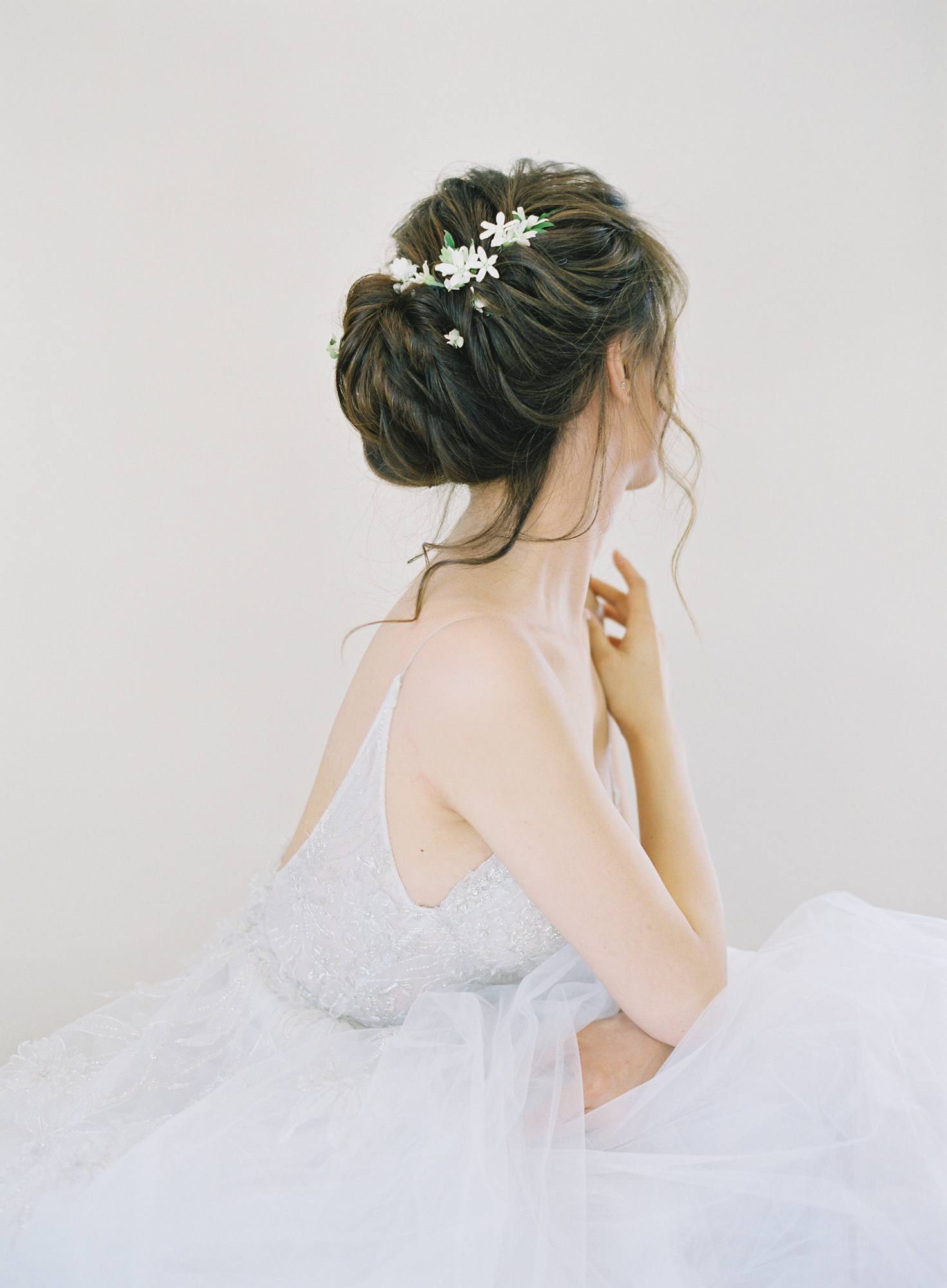 worlds best wedding photos updo hairstyle white jasmine flowers jen huang los angeles wedding photographer