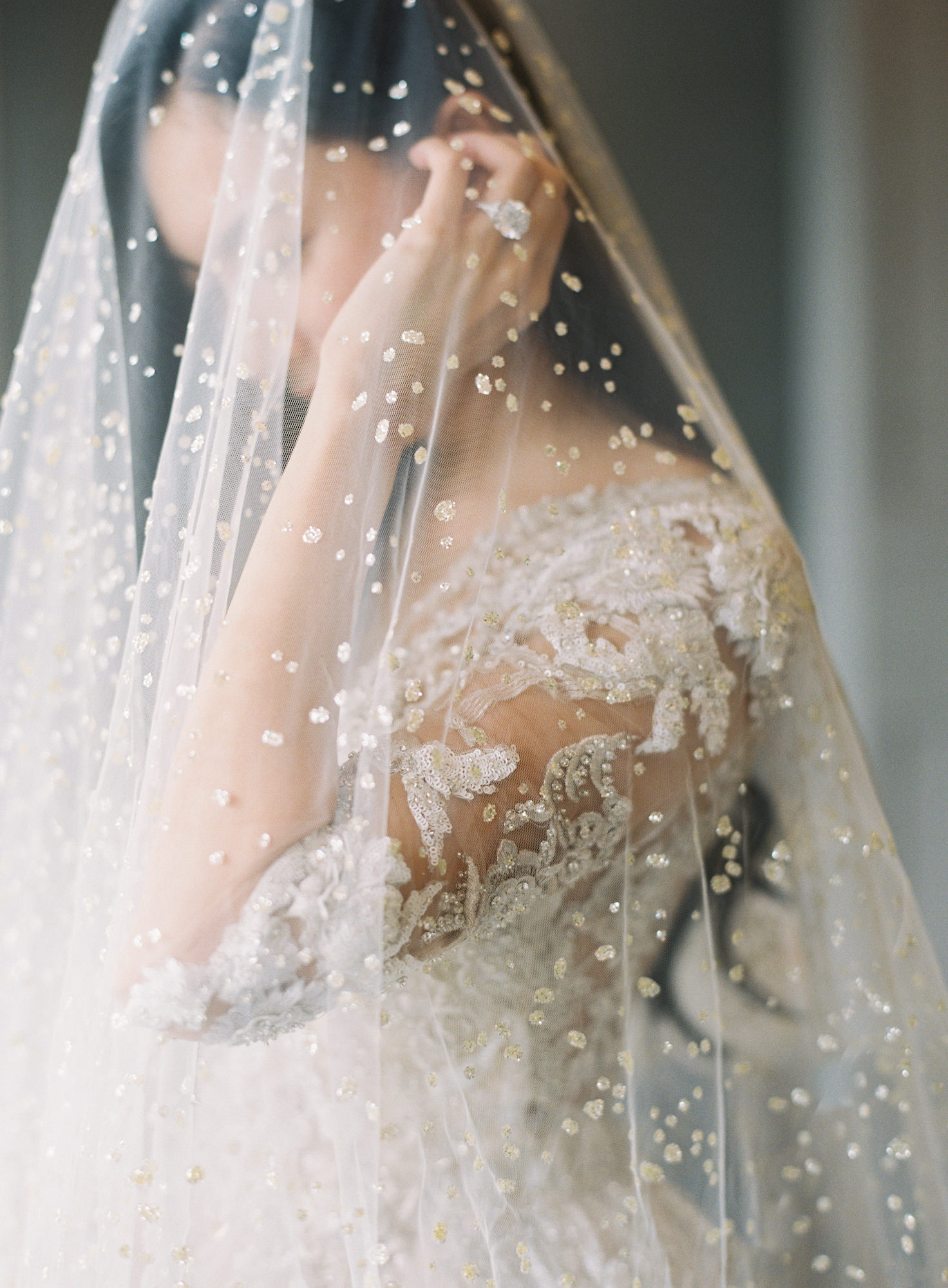 Bride veil with drop crystals square daimond ring Jen Huang, Los Angeles wedding photographer