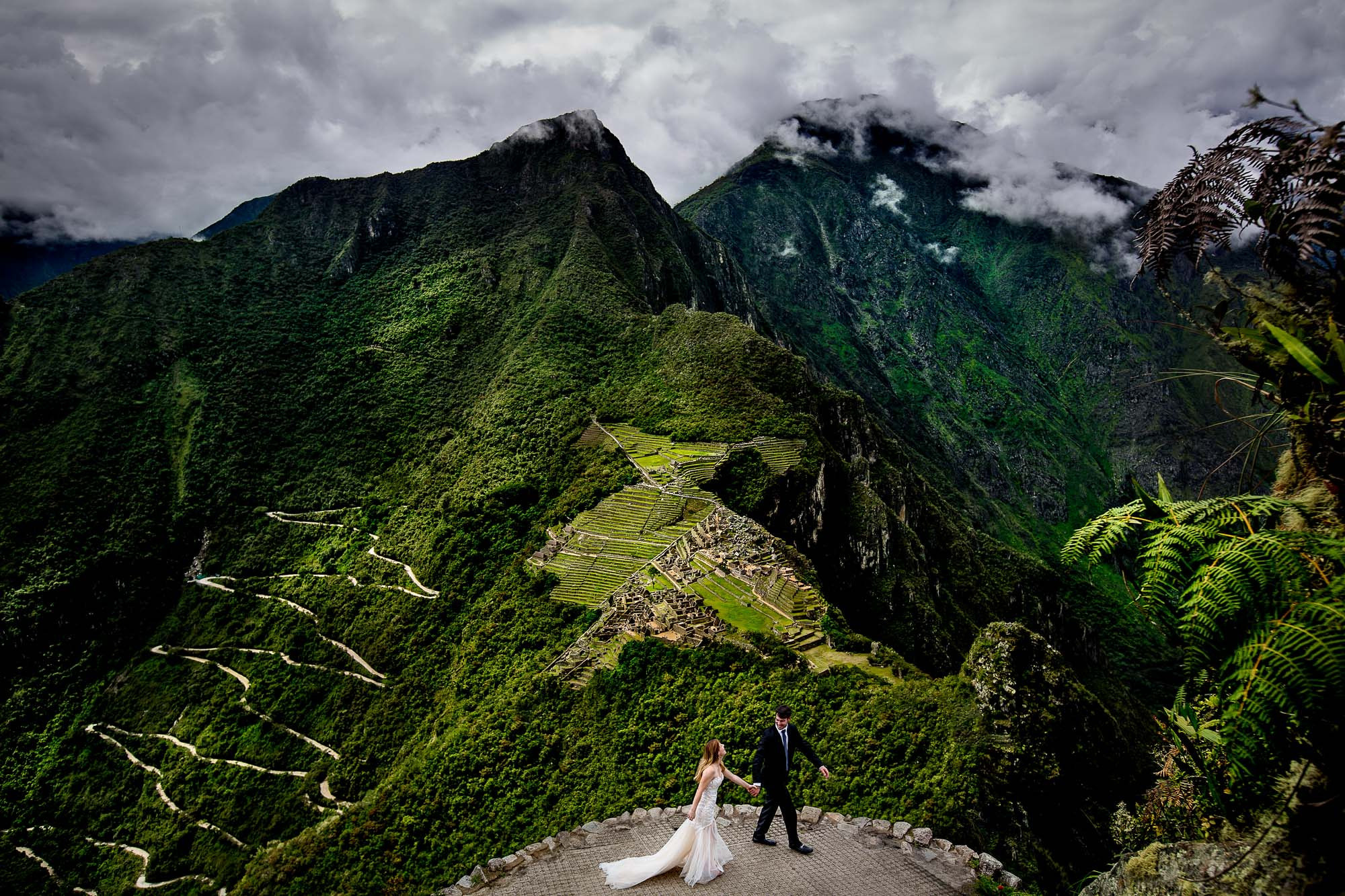 Bride and groom at Machu Picchu photo by JOS Studio: Jos and Tree