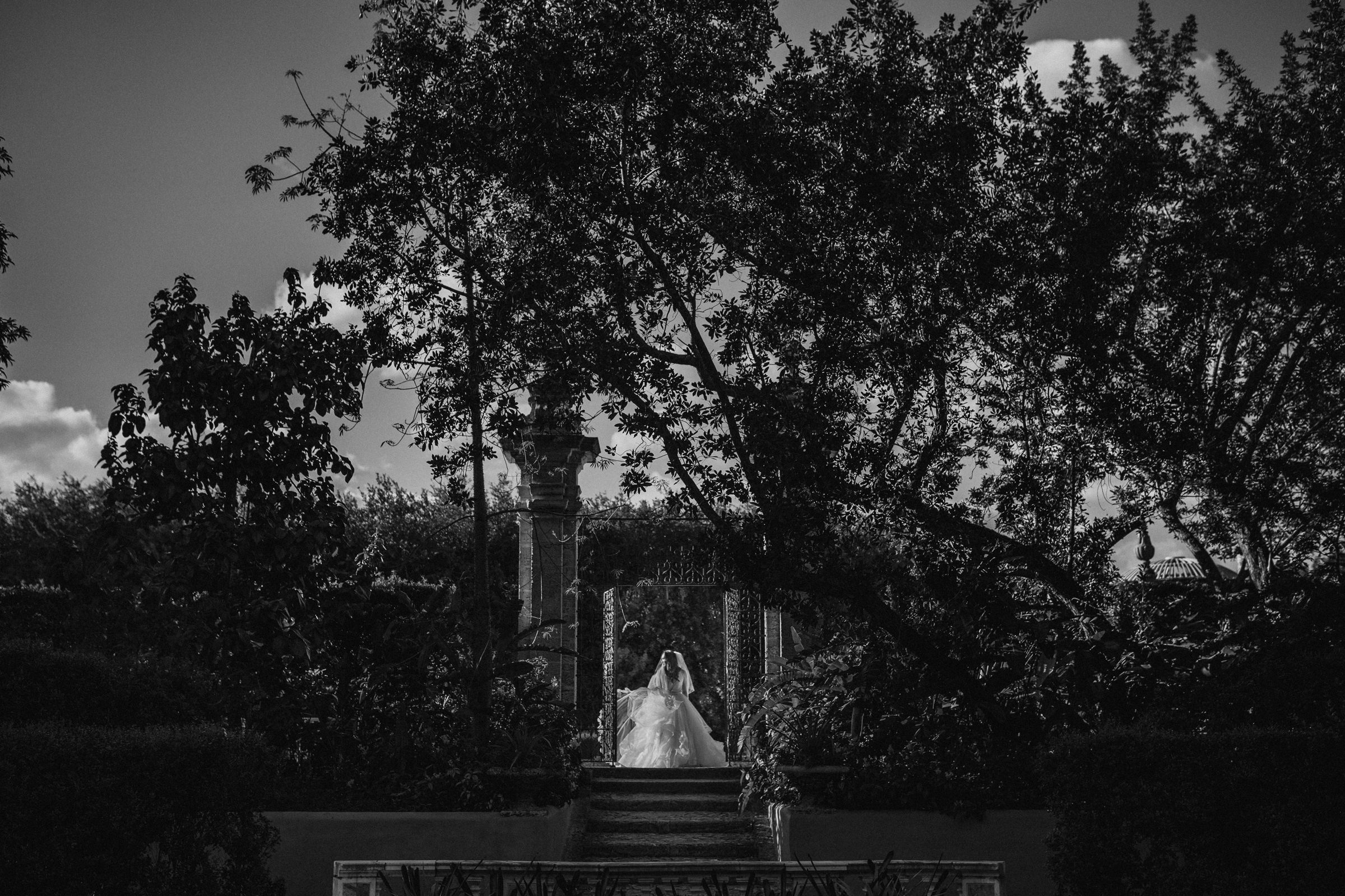 Bride in stunning scenery - Photo by Susan Stripling Photography