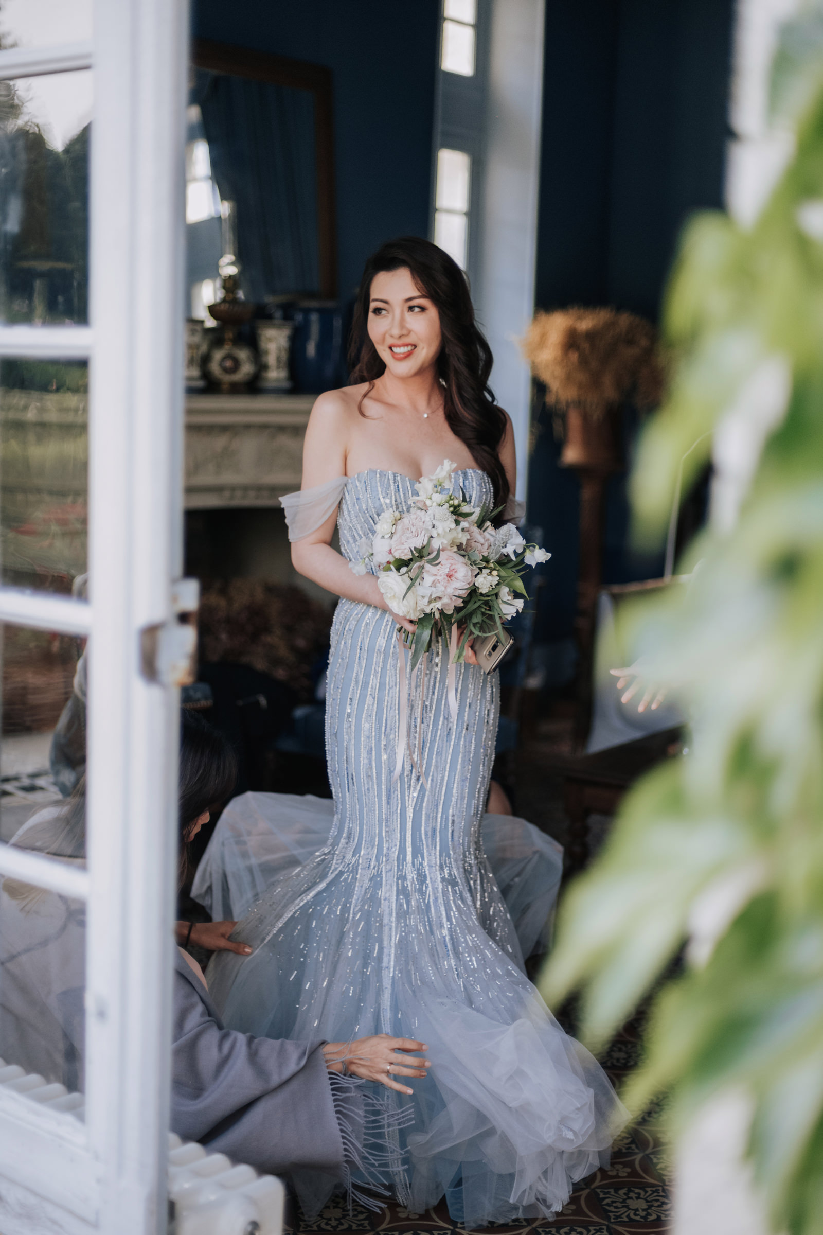 Elegant bride in off shoulder trumpet gown - Photo by MunKeat Photography Studio