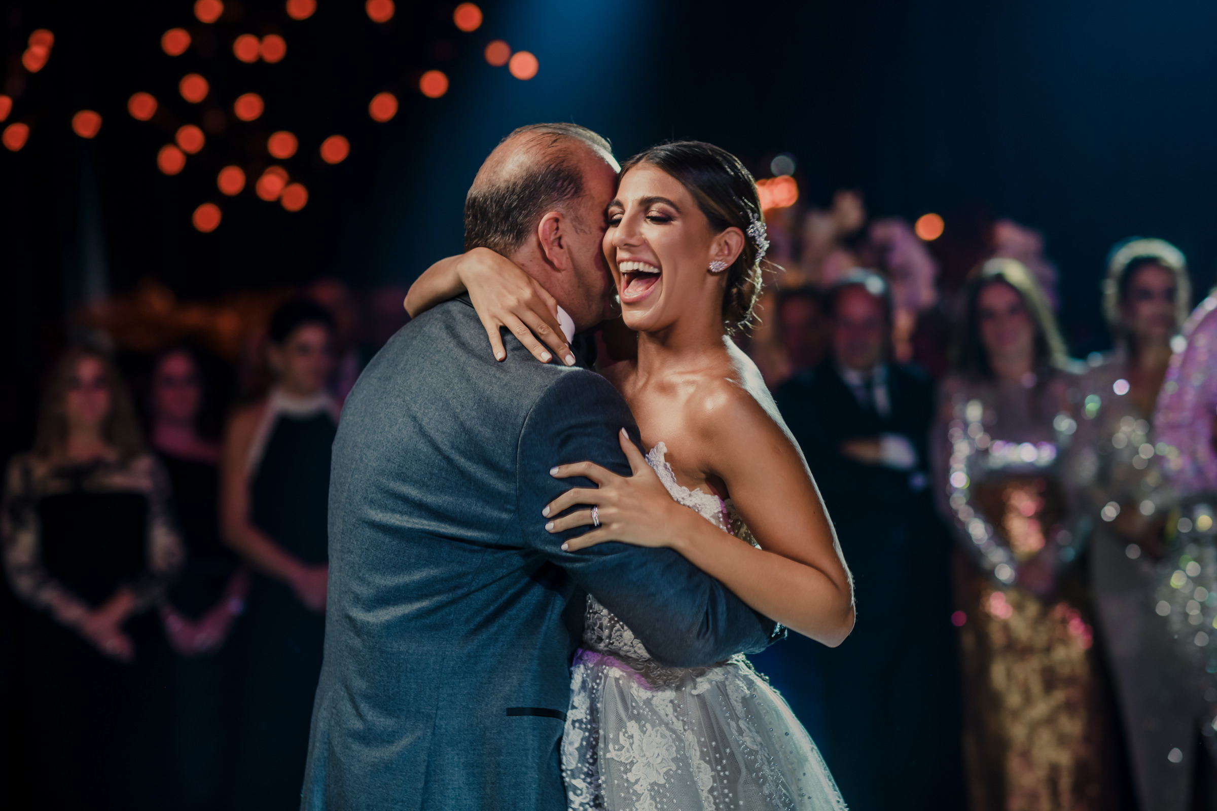 Happy father daughter dance - photo by El Marco Rojo