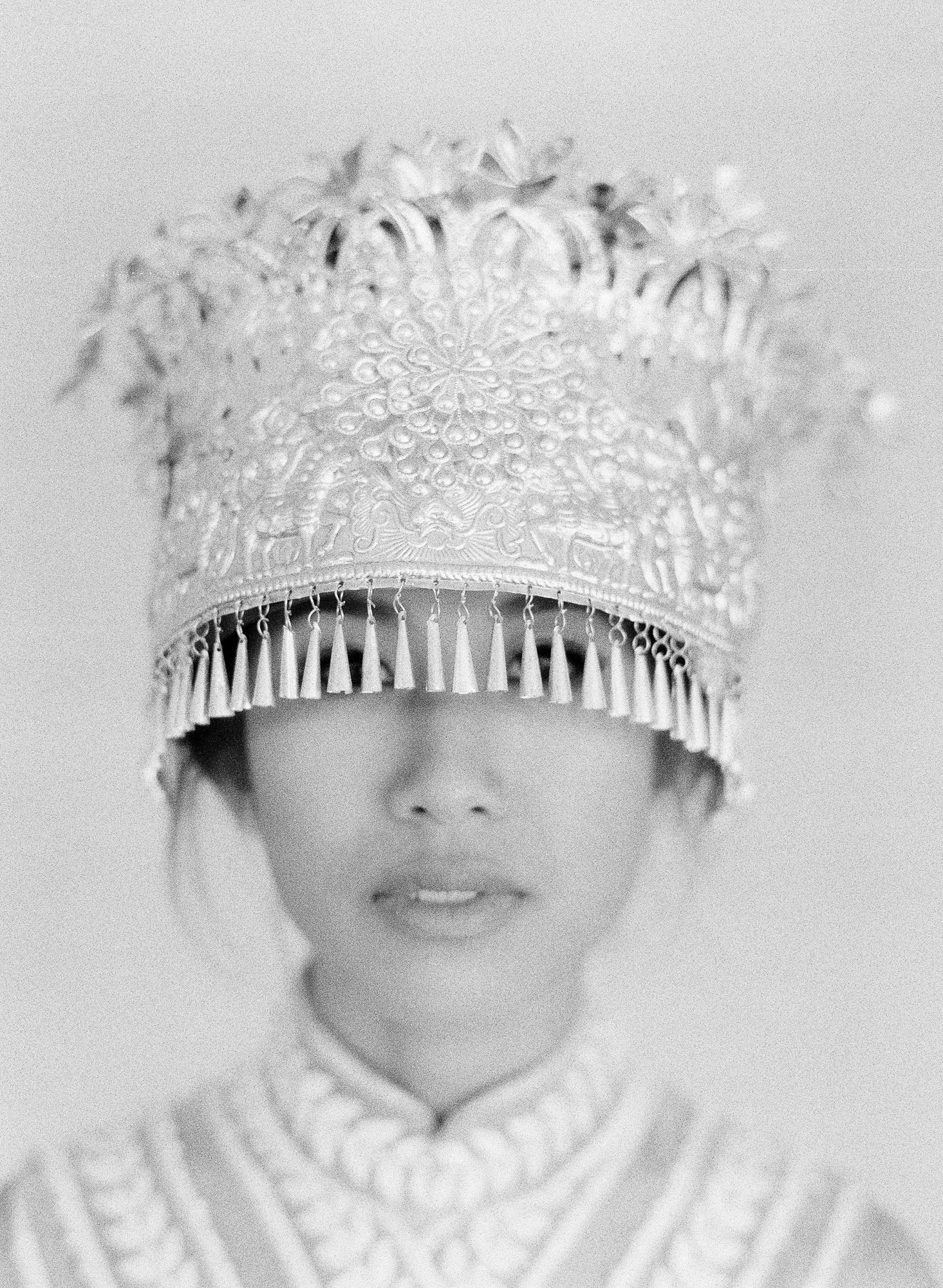 Black and white portrait of Southeast Asian bride, photo by Jen Huang