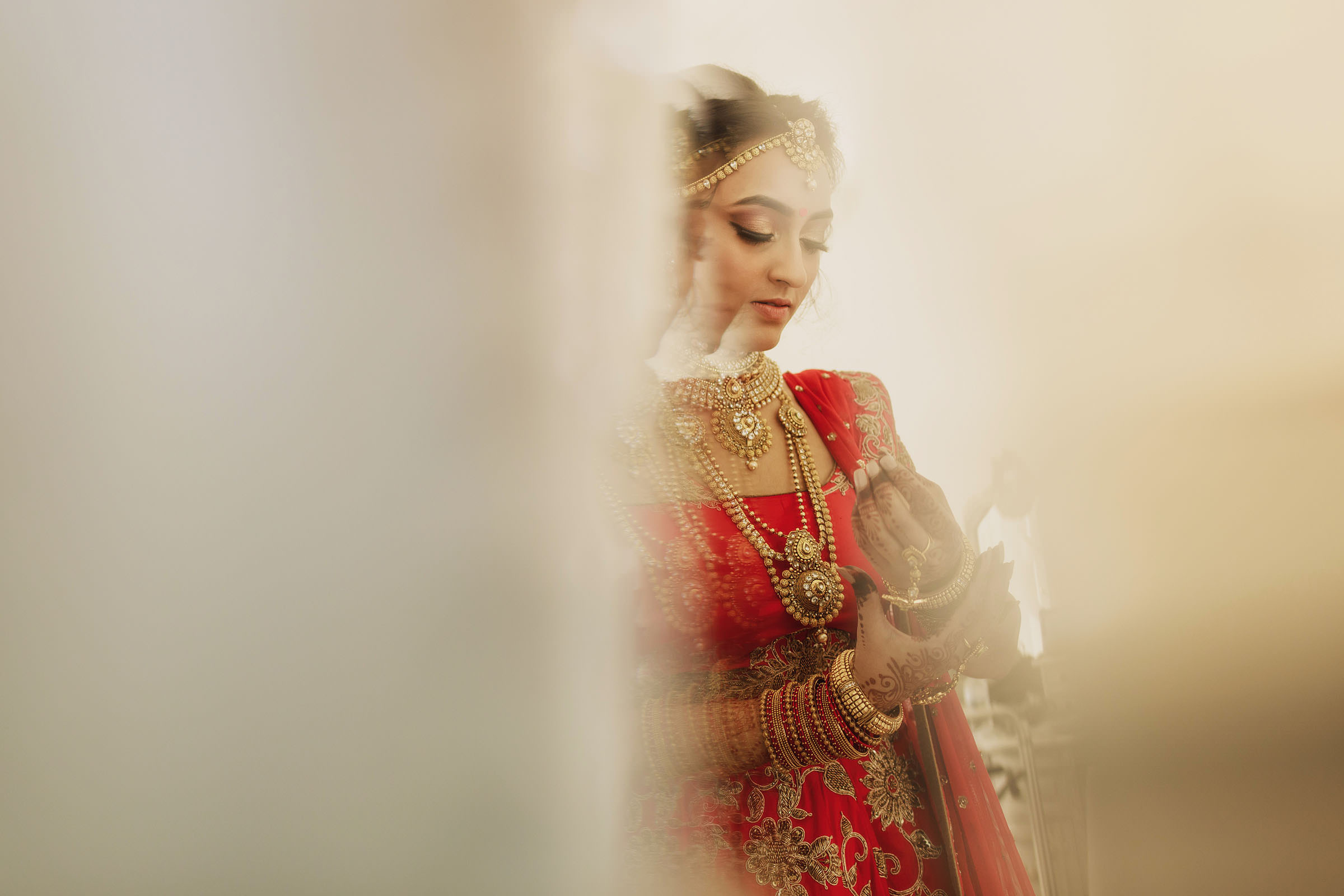 Multiple image bride - Photo by F5 Photography