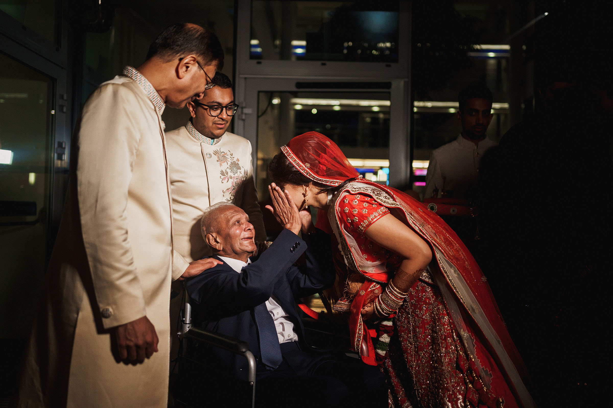 Touching portrait of grandfather and bride - Photo by F5 Photography