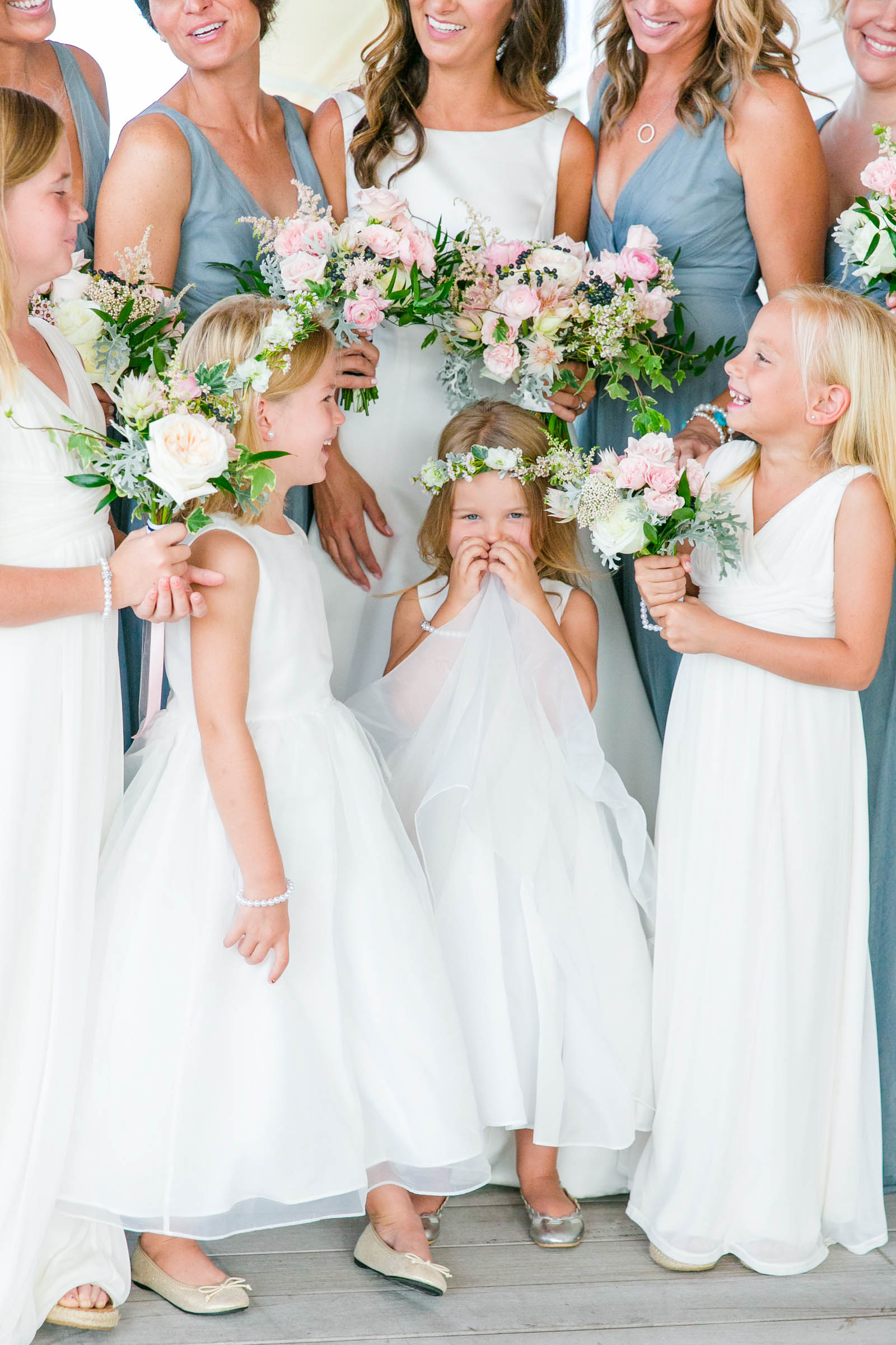 Cute flower girls with bridal party - photo by Dana Cubbage Weddings
