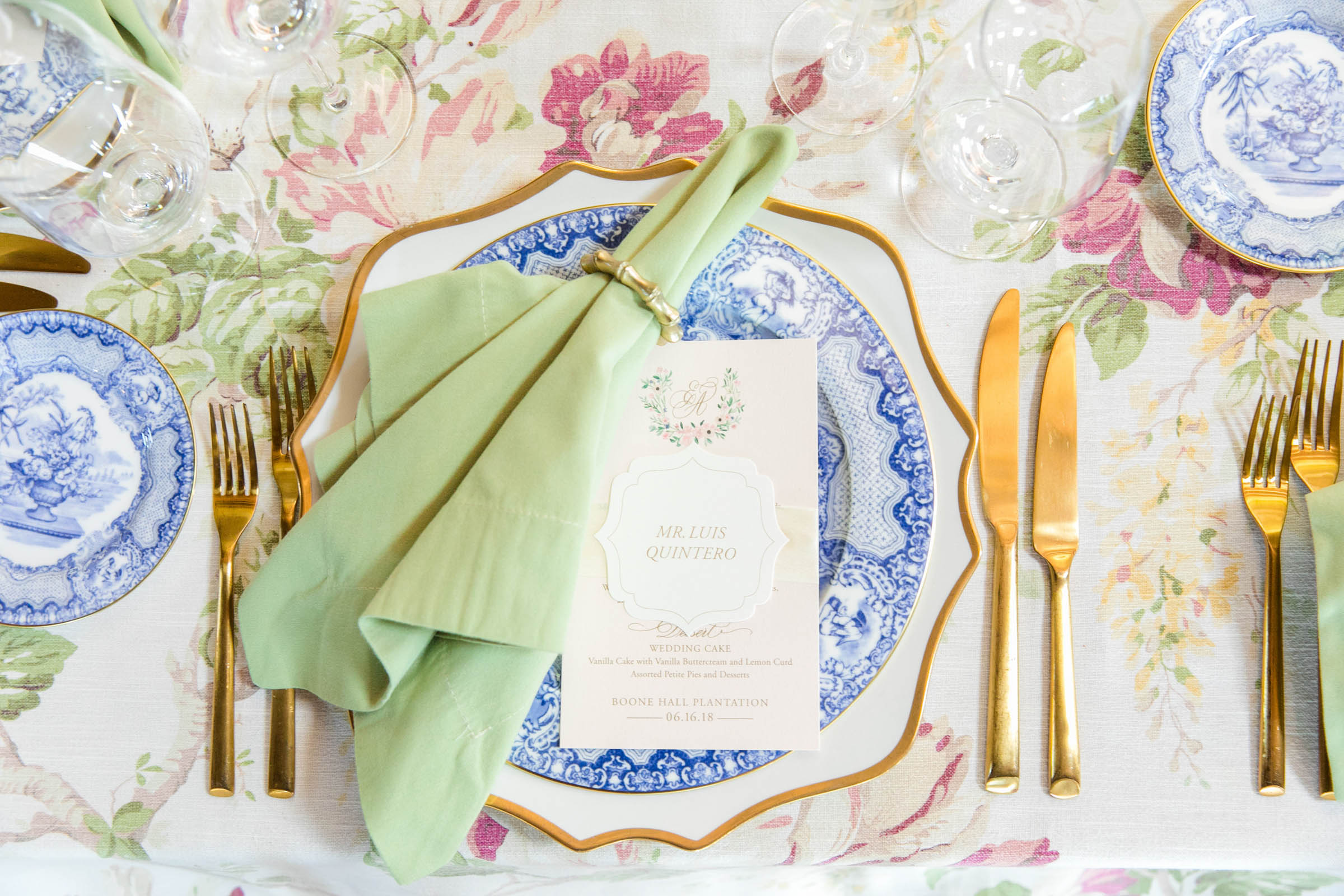 Place setting detail - photo by Dana Cubbage Weddings