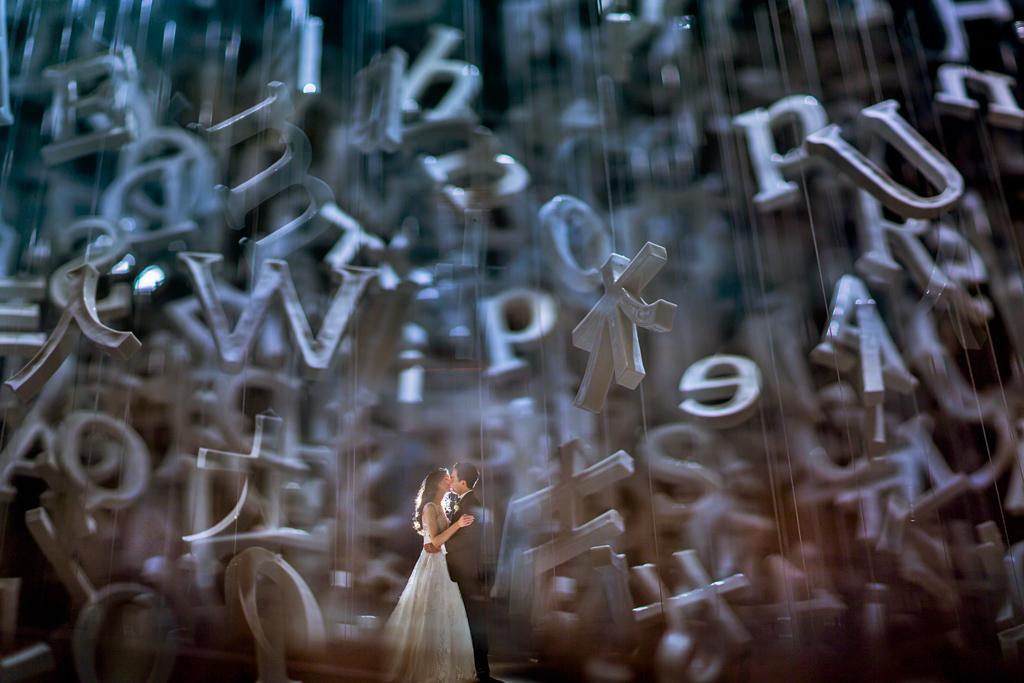50 best wedding photo concepts - alphabet portraits by Mauricio Arias - Chrisman Studios