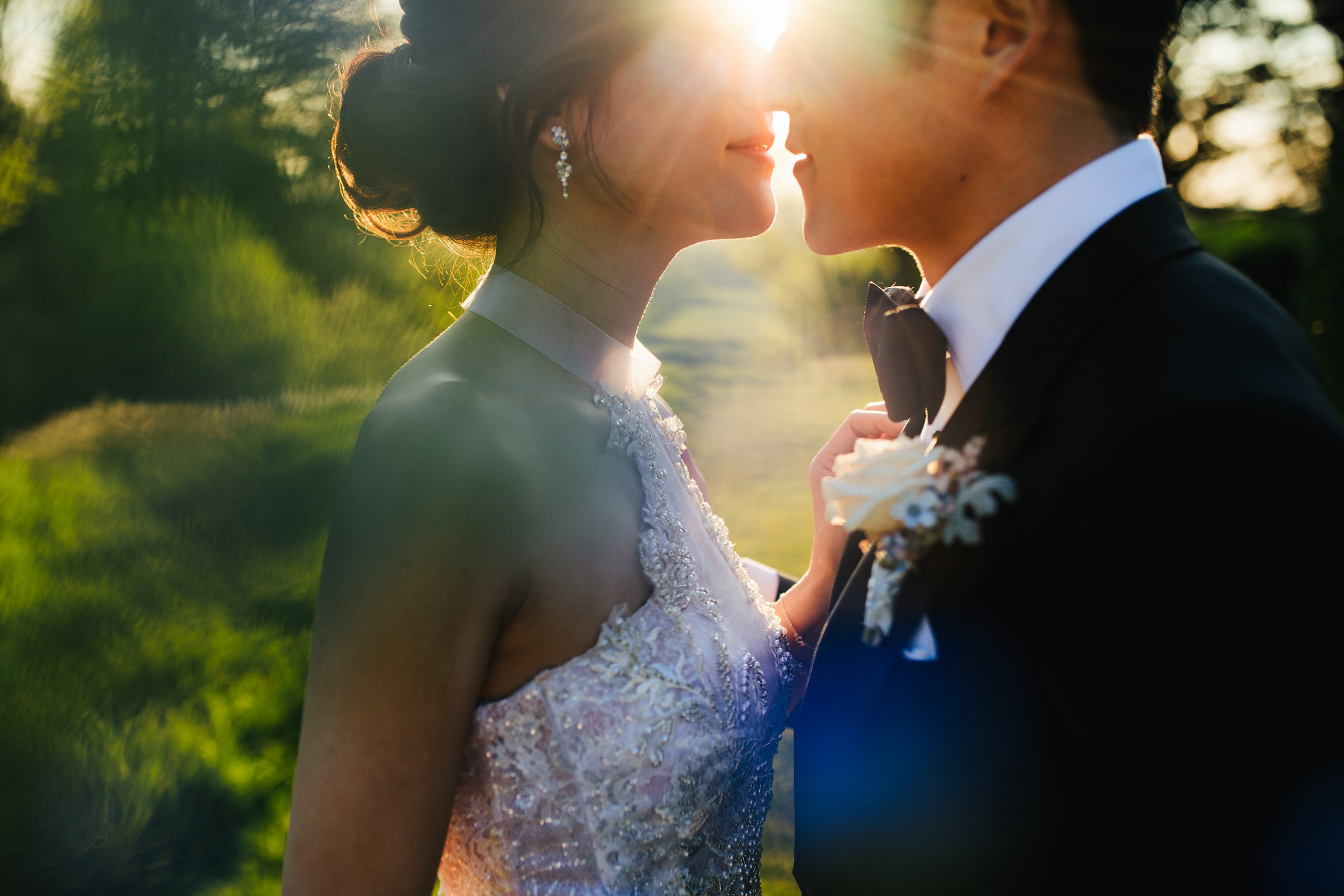 Sun flare face to face couple at Hedsor House UK - photo by The Crawleys