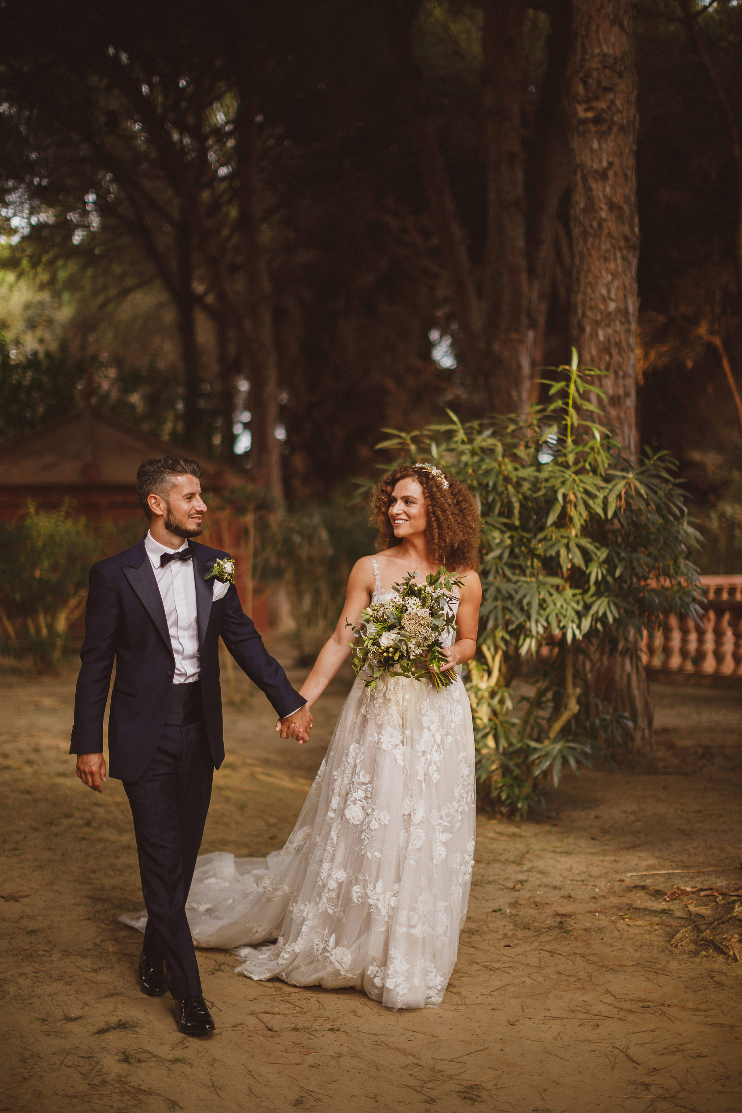 Bride and groom in wooded setting - photo by Ed Peers Photography