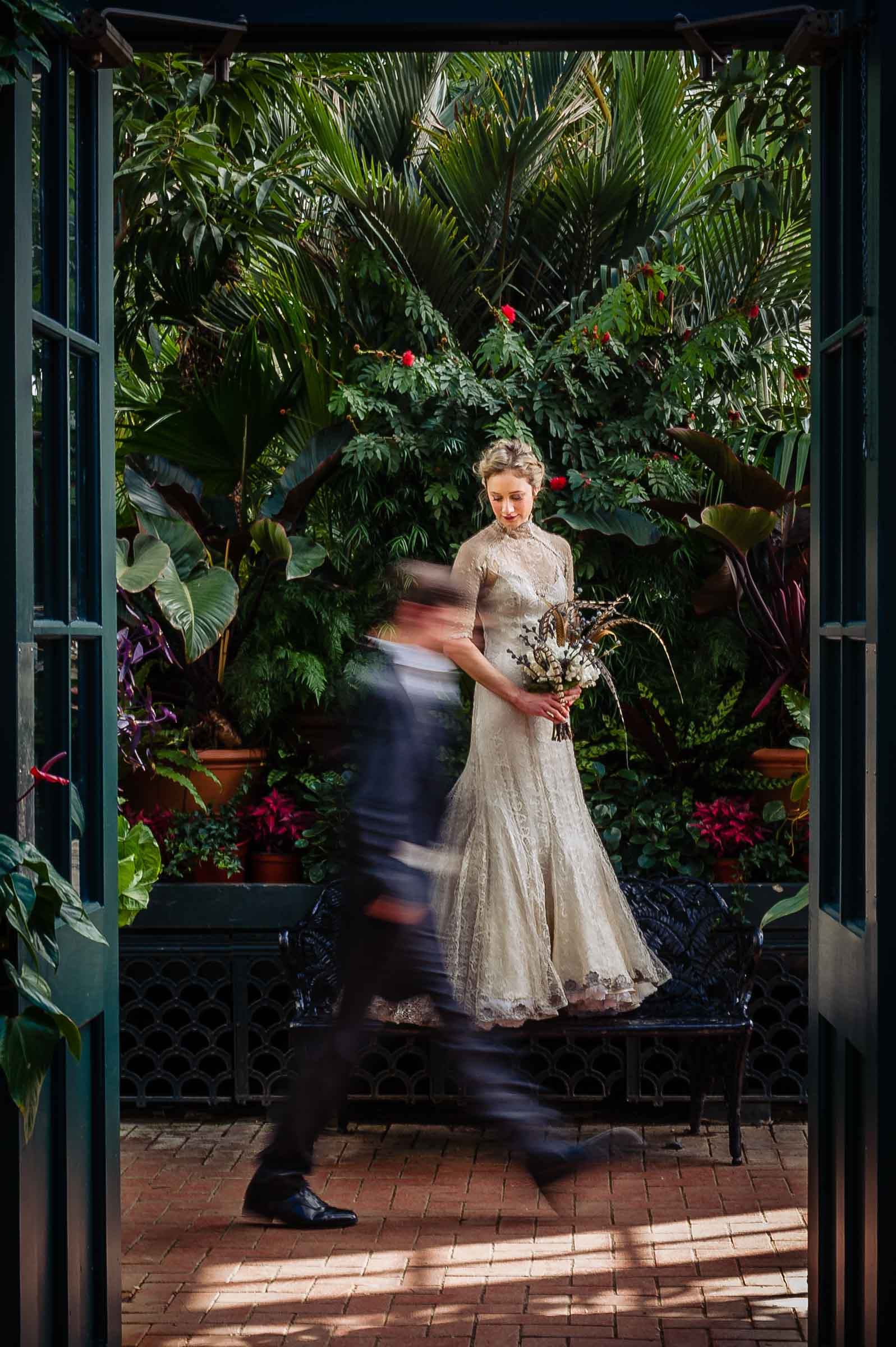 50 Best Wedding Photo Concepts of the Decade - photo by Viridian Images Photography
