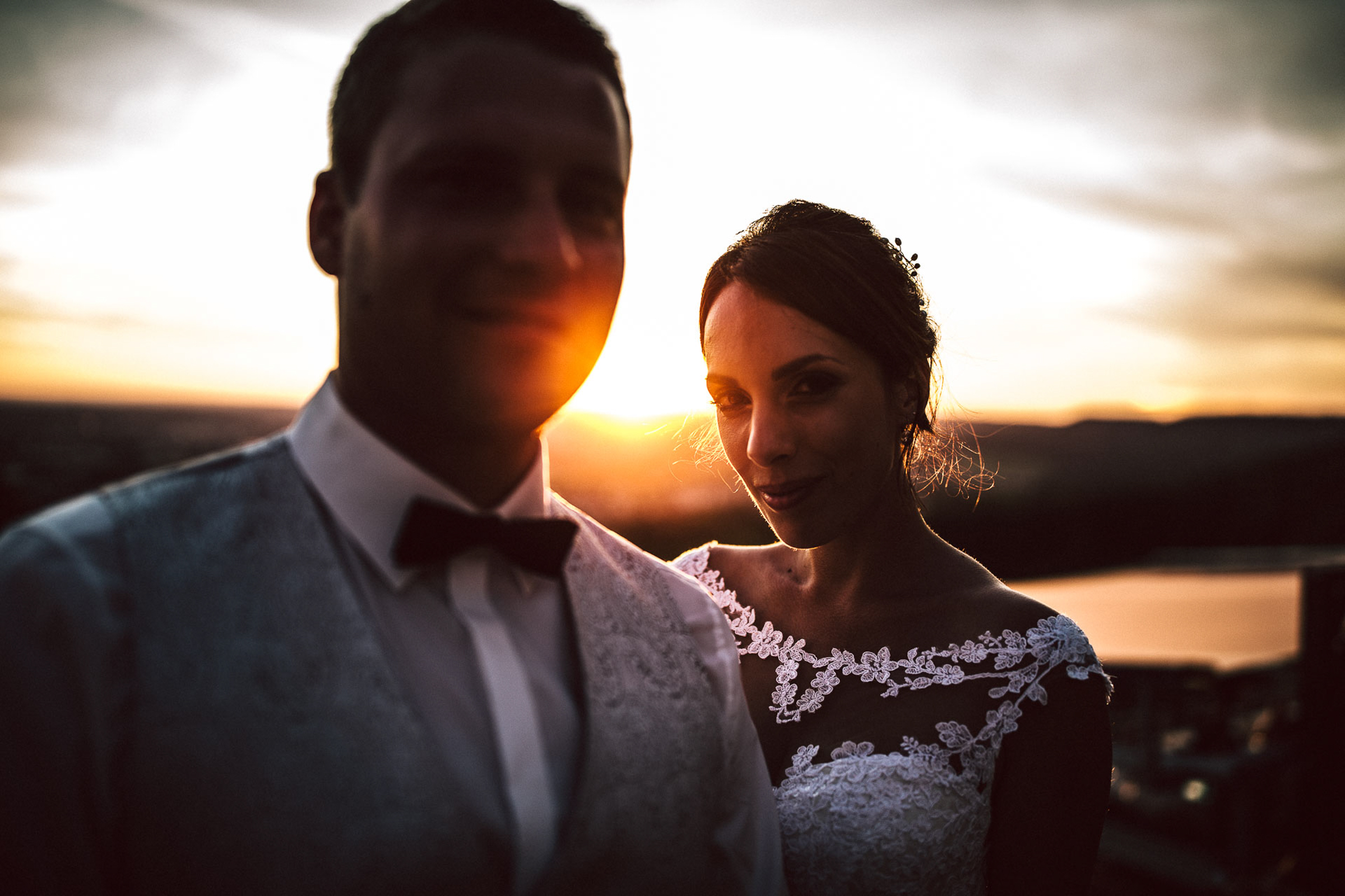 bride and groom portrait at sunset- photo by FineArt Weddings | Photography