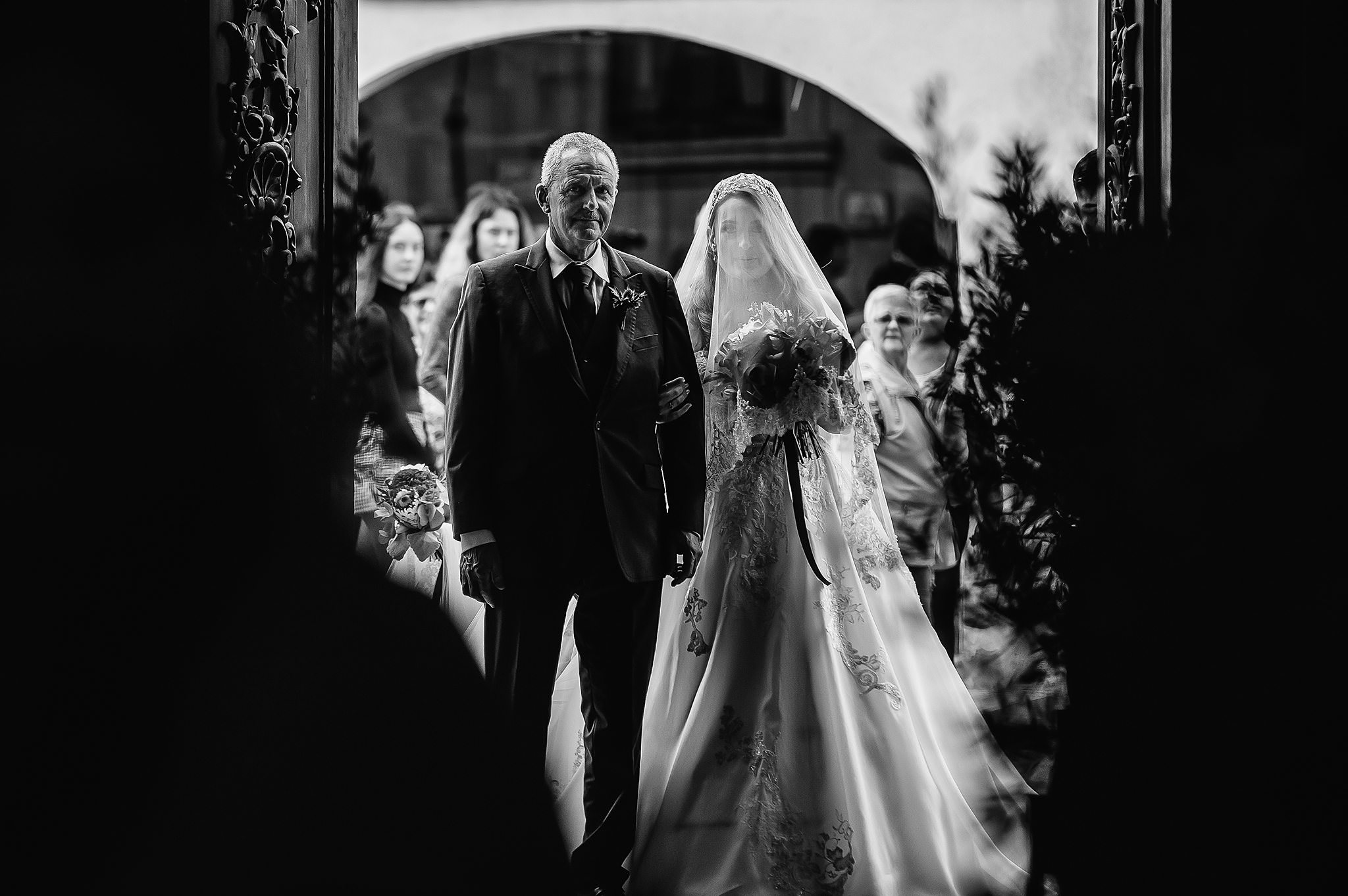 dad getting ready to walk daughter down the aisle- photo by Shane P Watts Photography