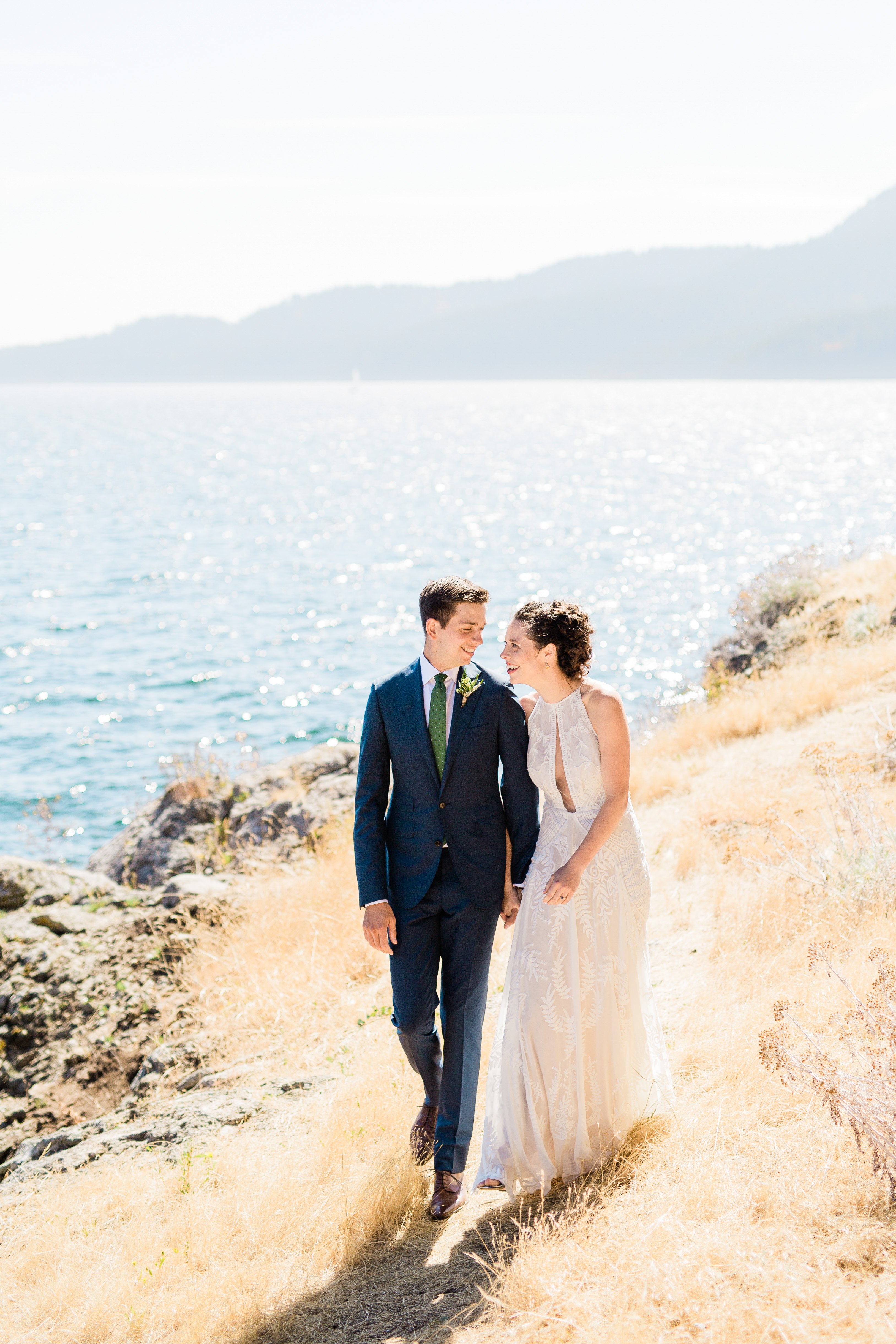 Sunny beach wedding photo by Cameron Zegers Photography - Seattle