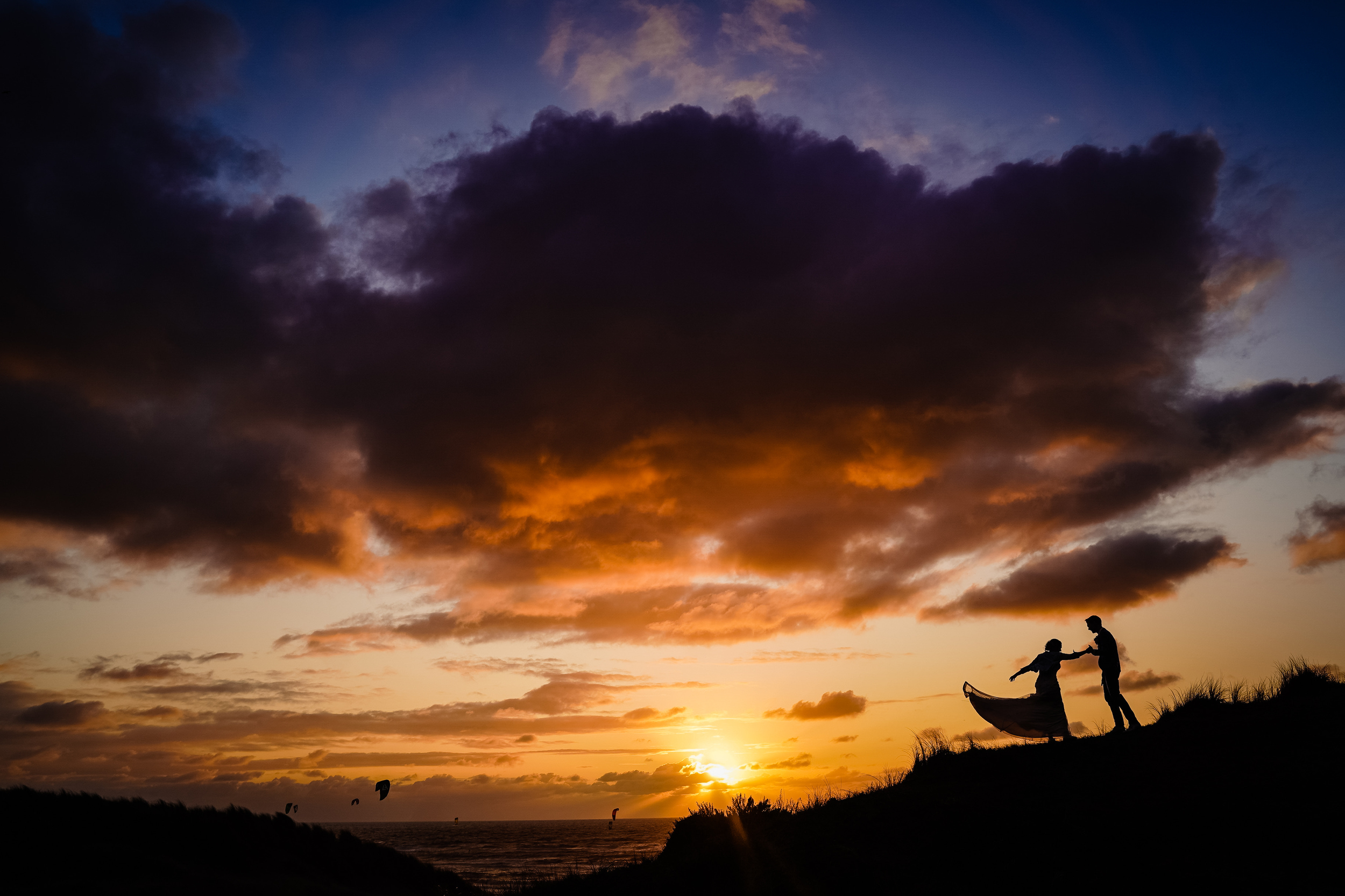 Sunset silhouette in motion - photo by Studio Damon Photograpy