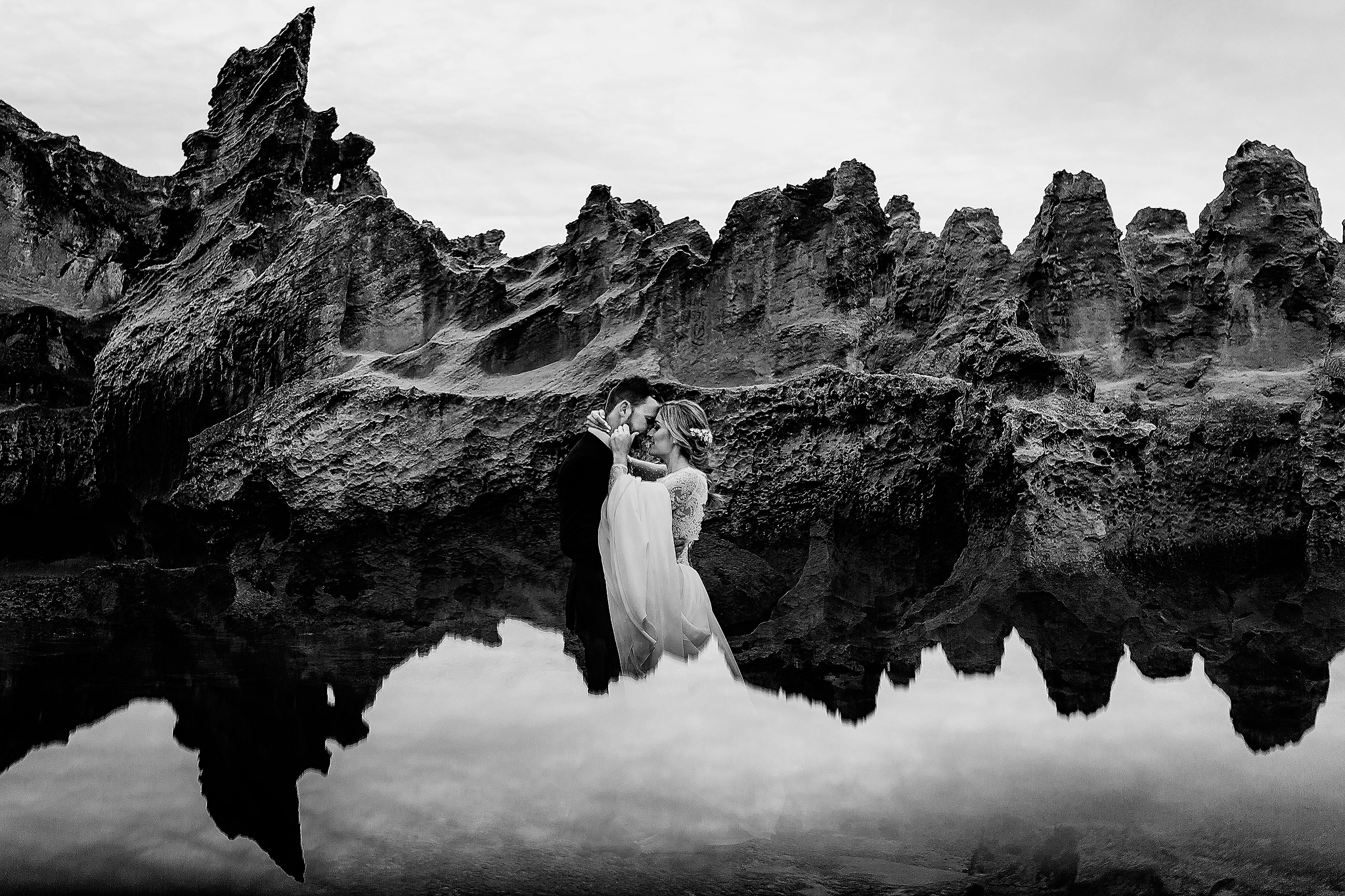 Couple walking on air - photo by Ruan Redelinghuys Photography