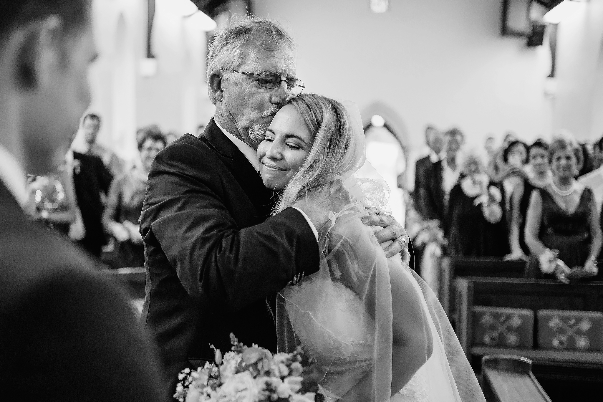 Father of the bride kiss - photo by Ruan Redelinghuys Photography