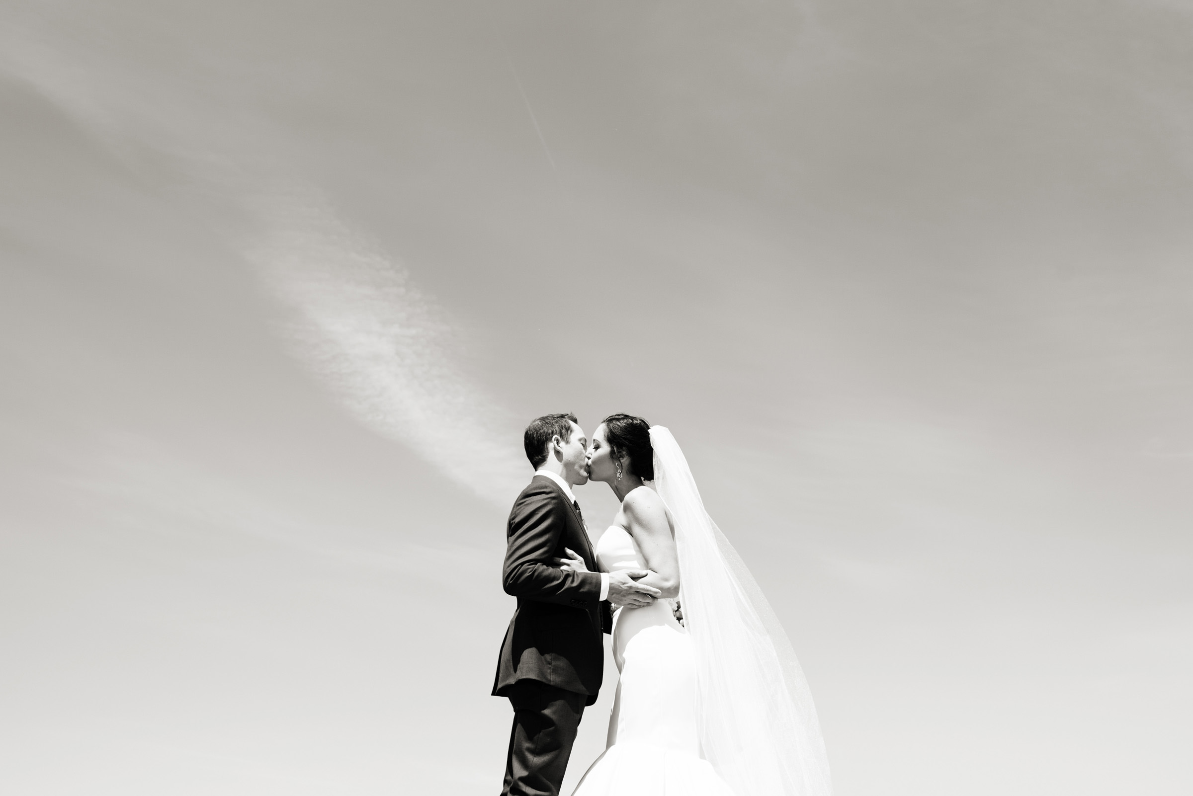 Floating couple kiss - photo by Barbie Hull Photography