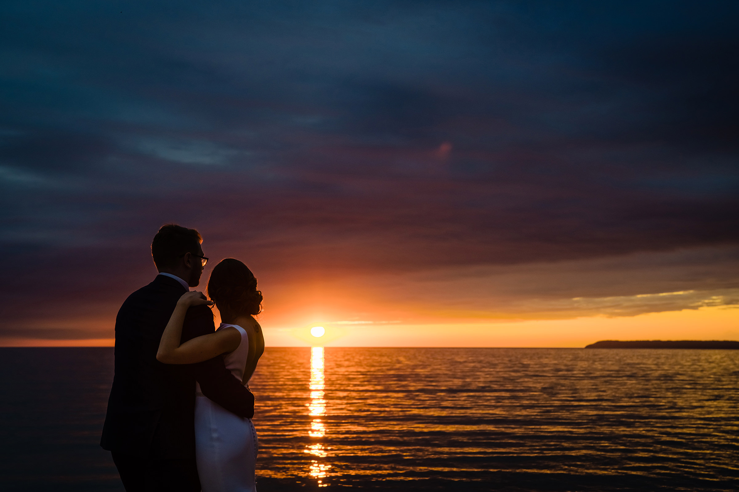 Couple in sunset view - photo by Rayan Anastor Photography