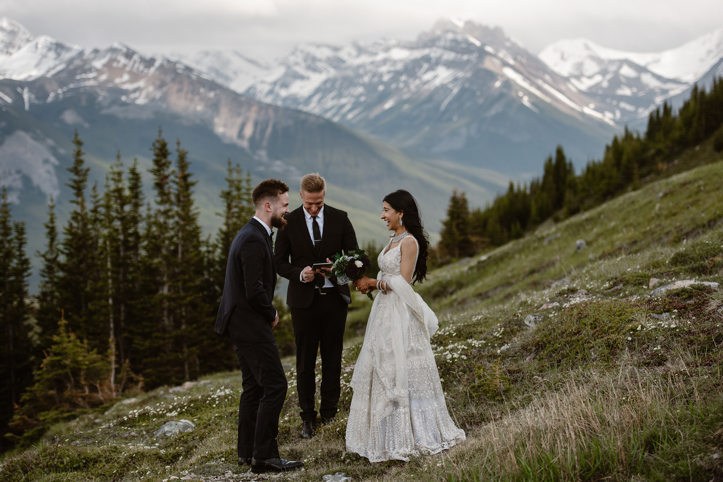Elopement ceremony in the mountains - photo by Virginia & Evan