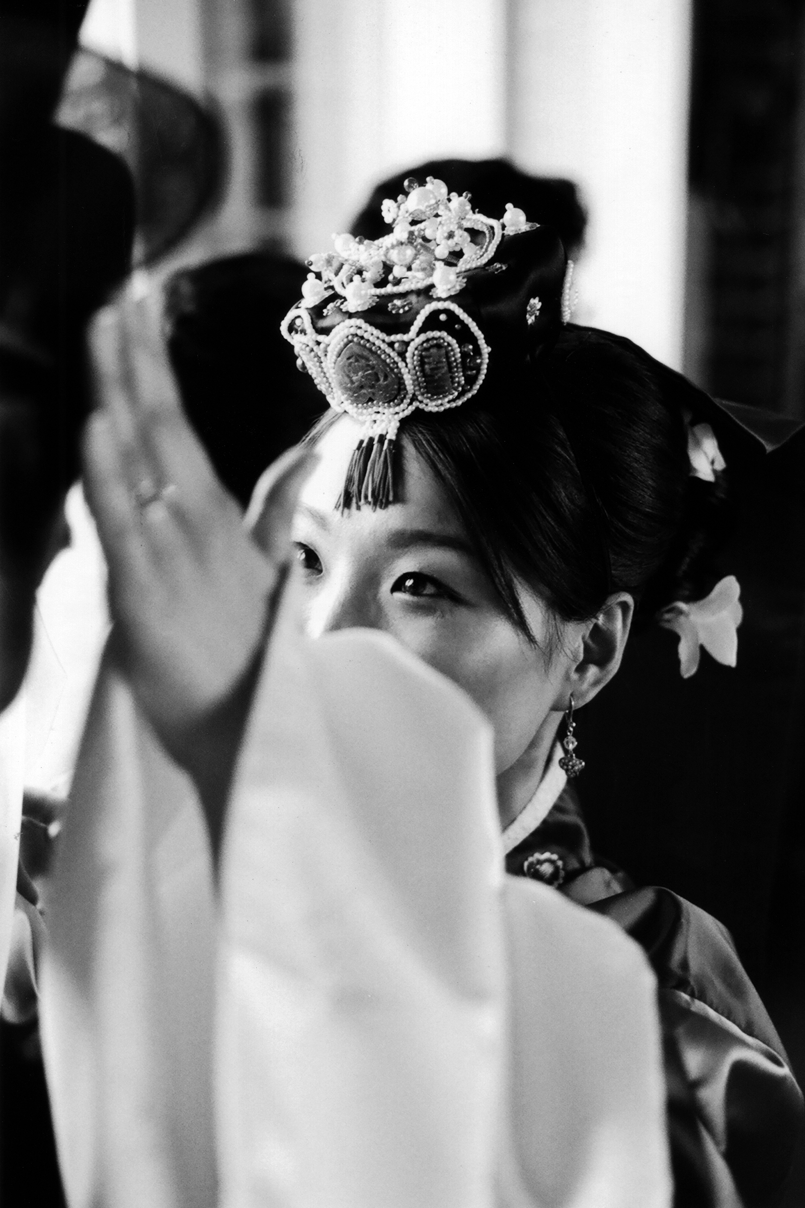 Portrait of bride in traditional Japanese attire - photo by Bradley Hanson Photography