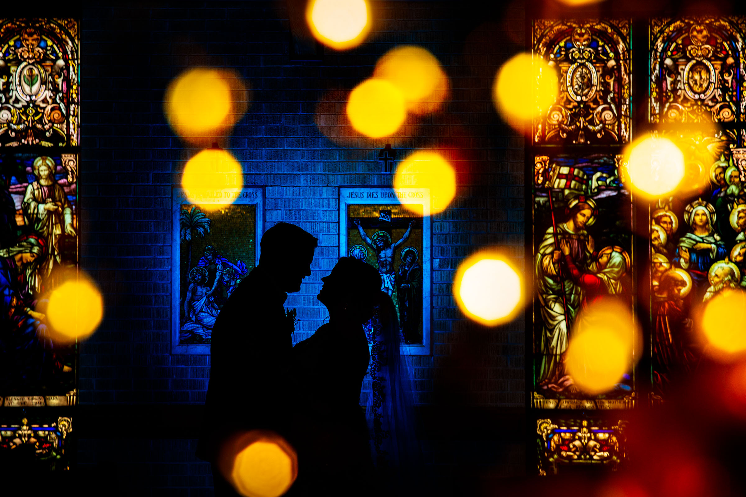Bokeh light couple silhouette - photo by MD photo films