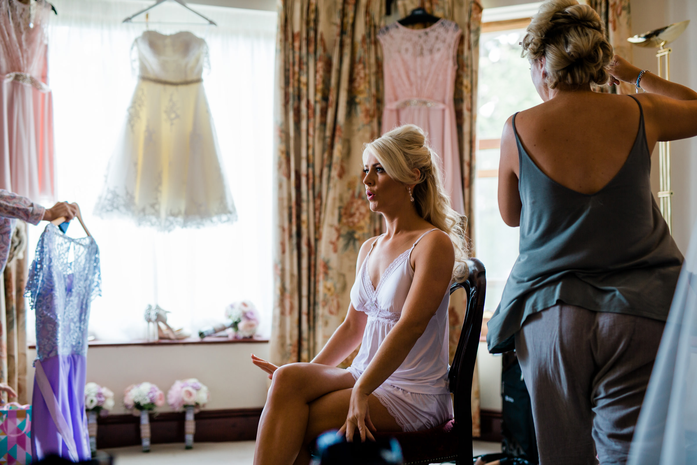 Bride getting ready - photo by The Portrait Rooms