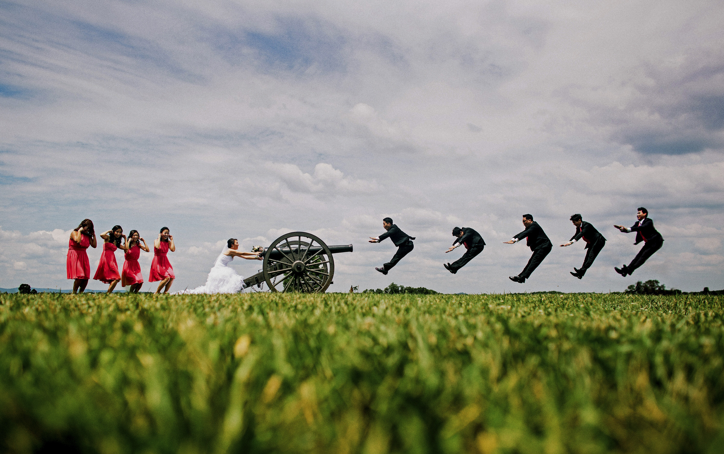 50 Best Wedding Photo Concepts of the Decade - photo by Ken Pak Photography