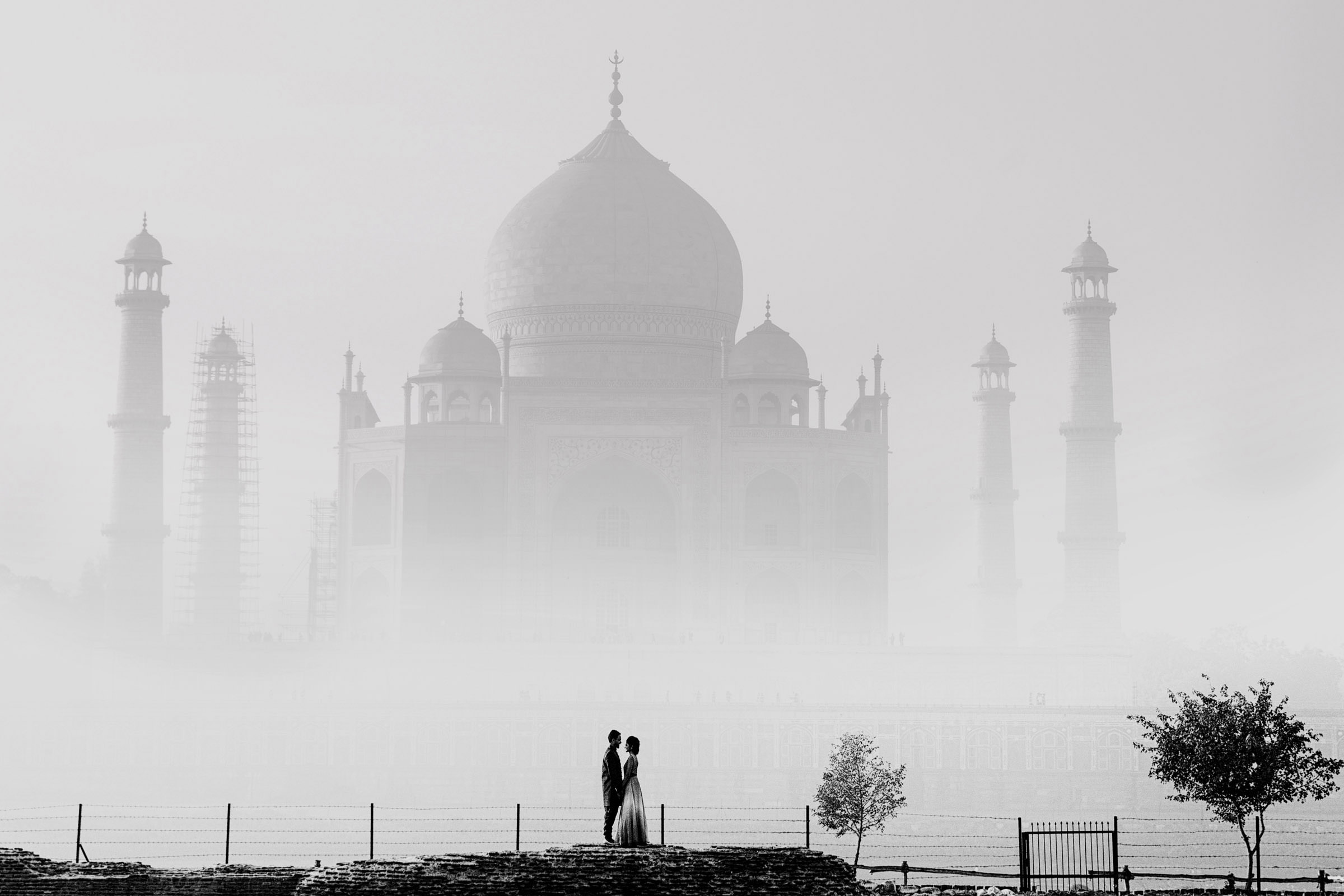 Couple against Russian Orthodox church - photo by Shutterink Photography