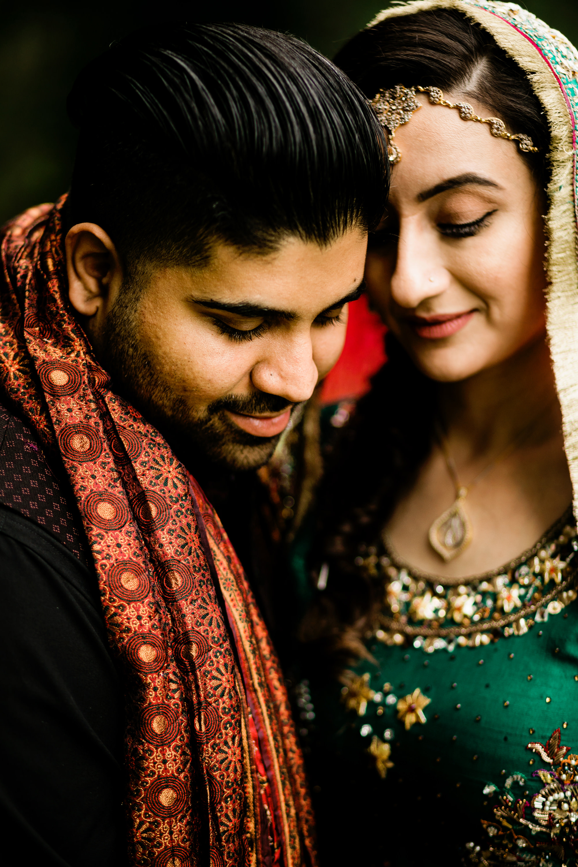 close bride and groom portrait - photo by Alante Photography