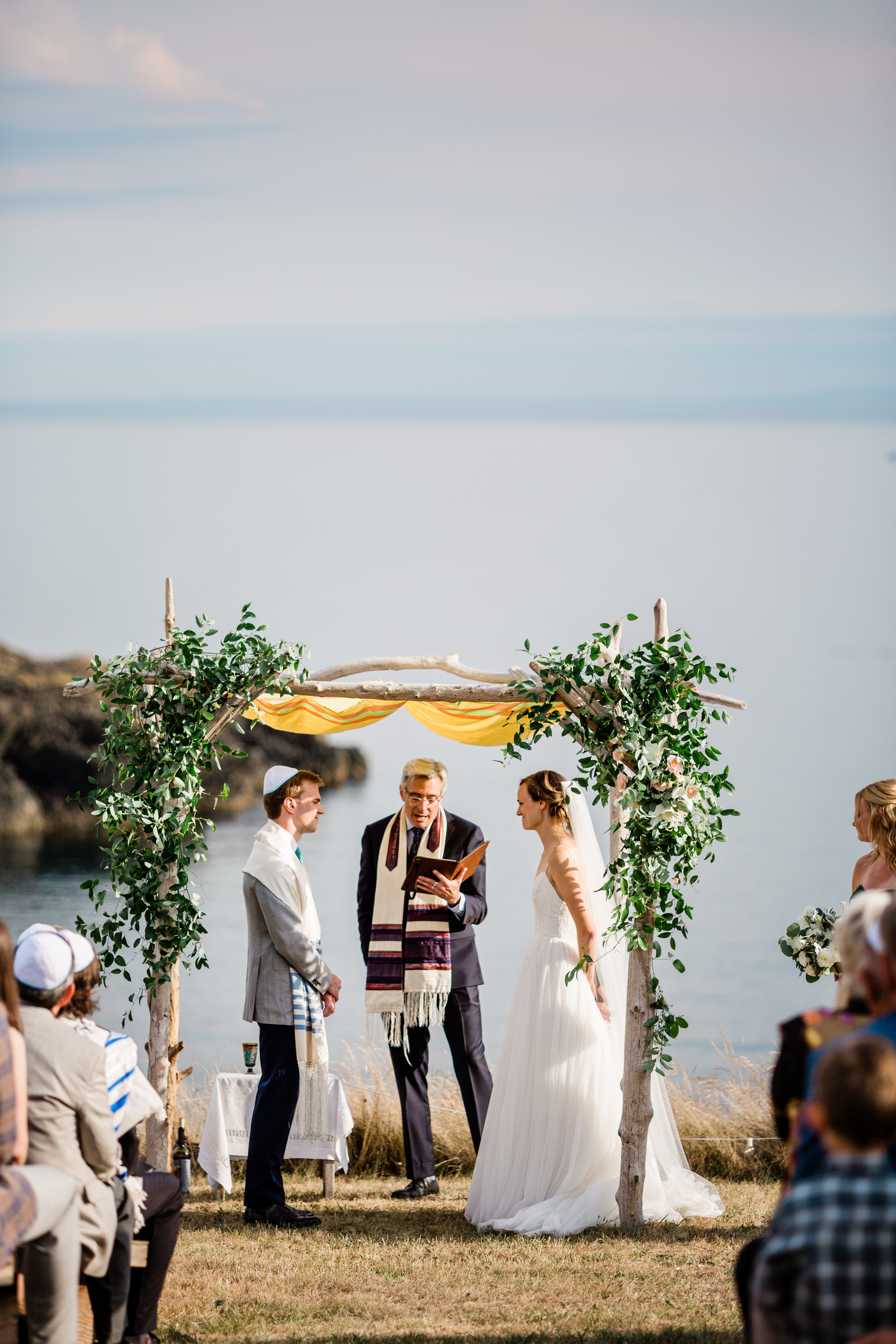 Jewish ceremony under seaside chuppah - photo by Alante Photography