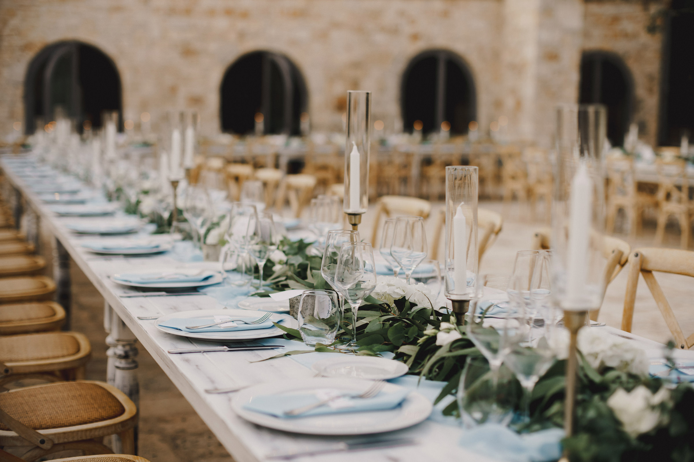 Closeup of reception tables - photo by MIKI Studios