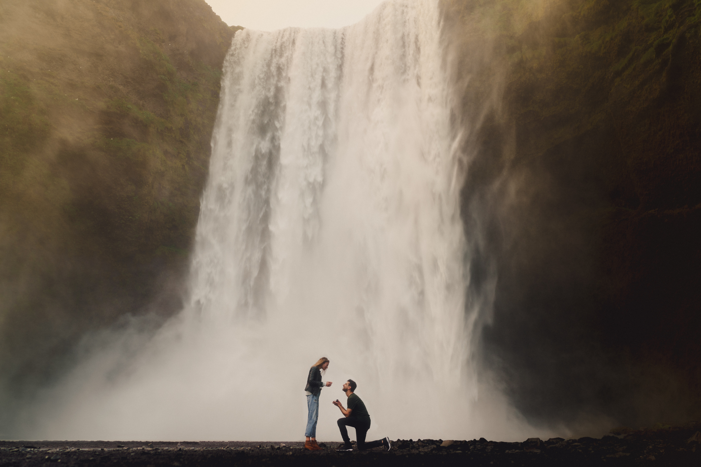 Proposal against waterfall - photo by MIKI Studios