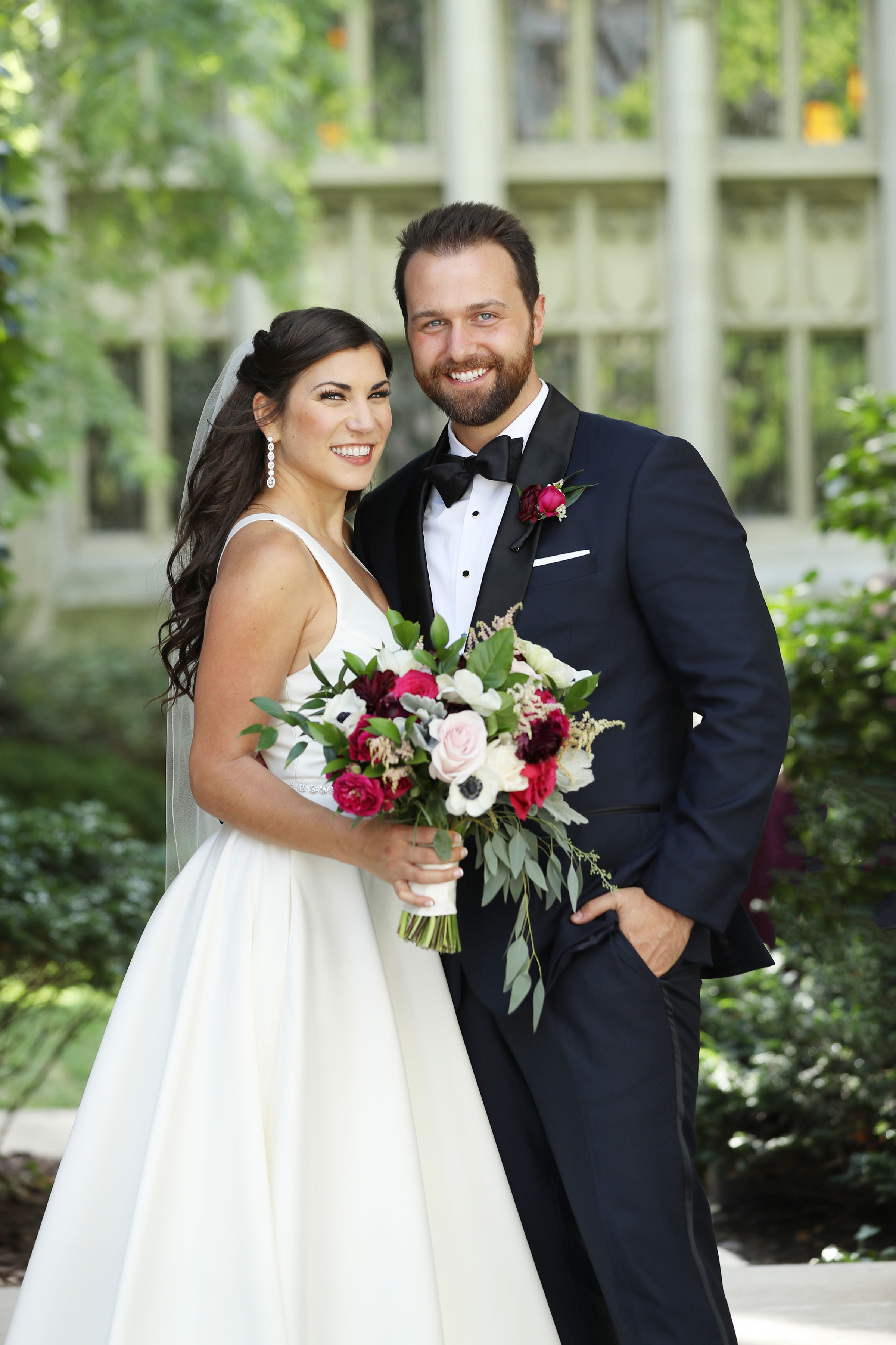 Bride and groom portrait in white and red - photo by Kenny Kim Photography