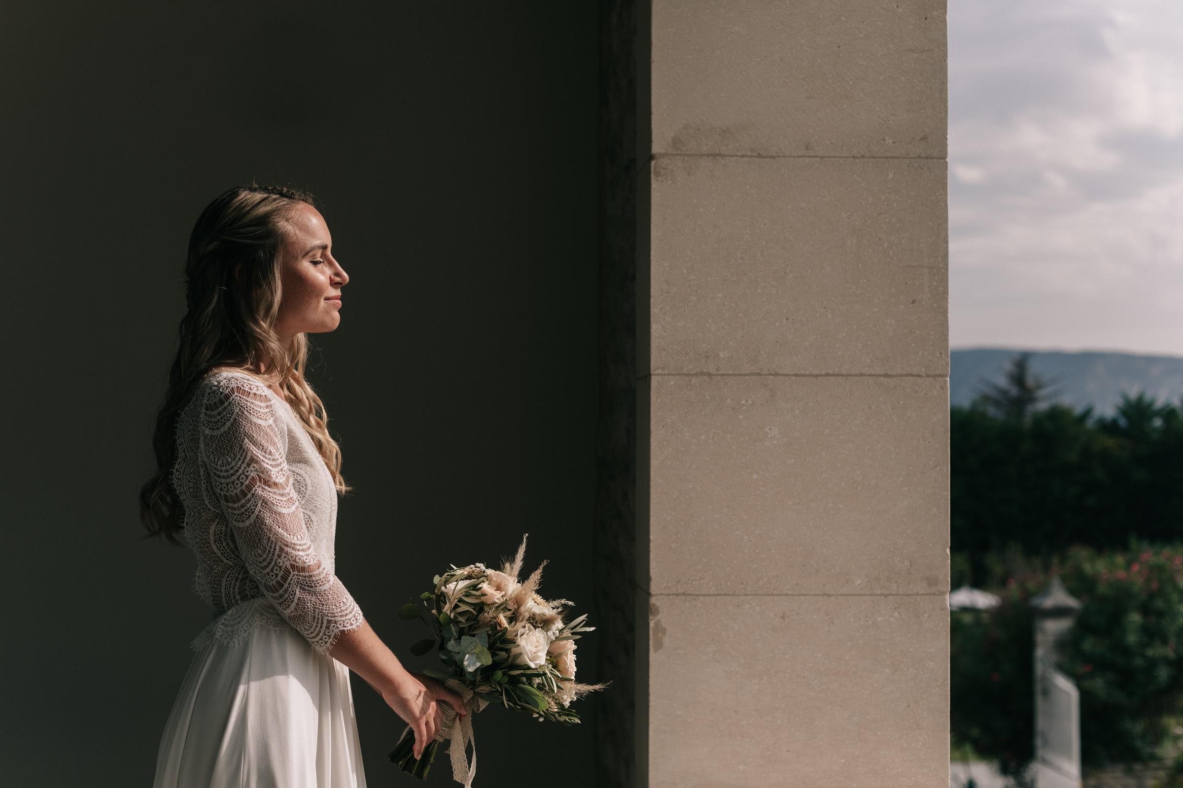 bride profile portrait- photo by Amandine Ropars, france