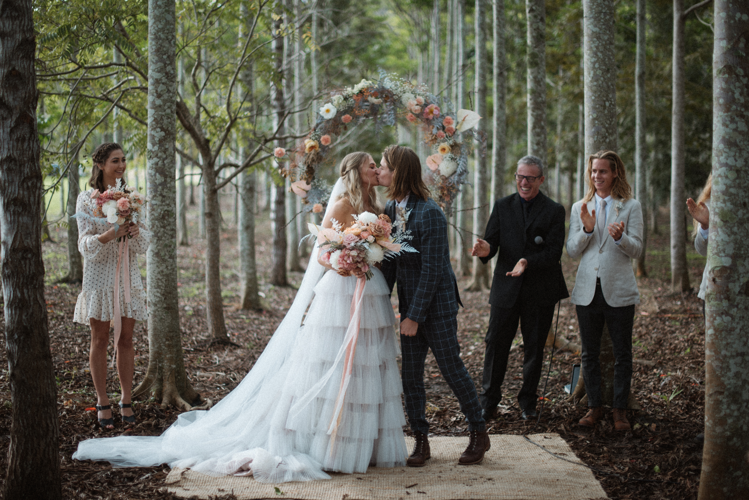 Arbor kiss - photo by Ben Sowry Photo