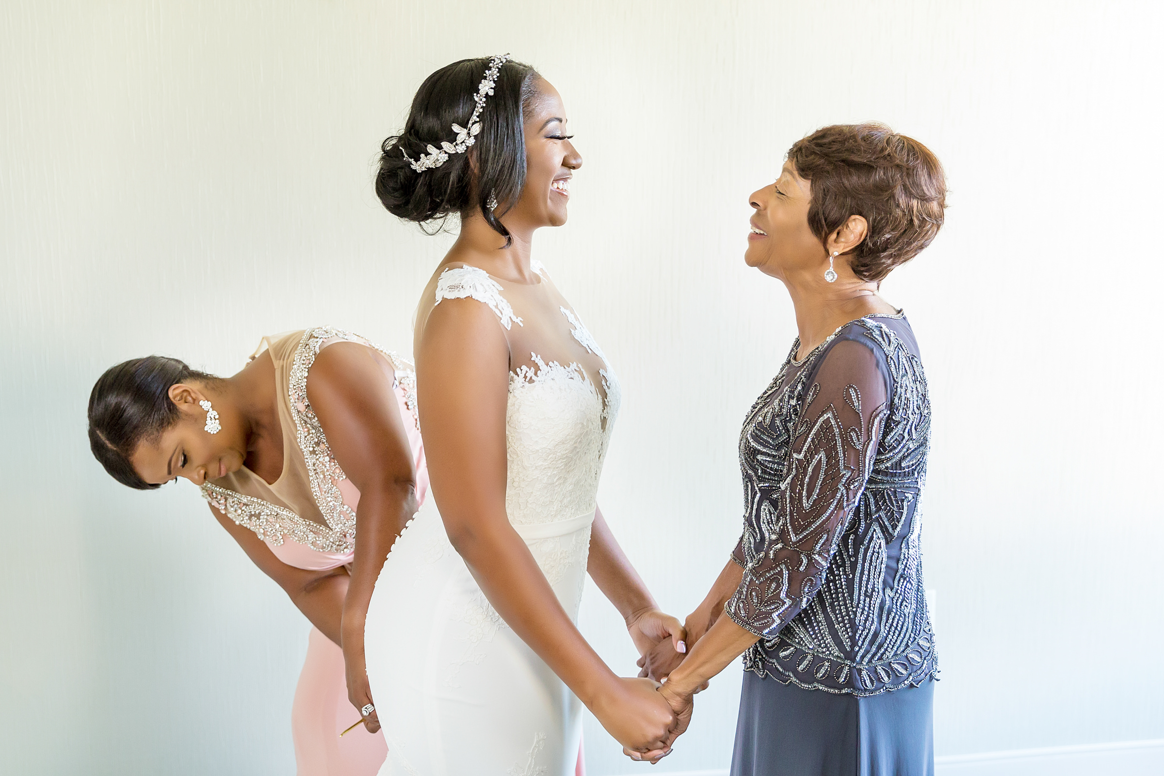 Bride and mother face to face portrait - photo by Procopio Photography