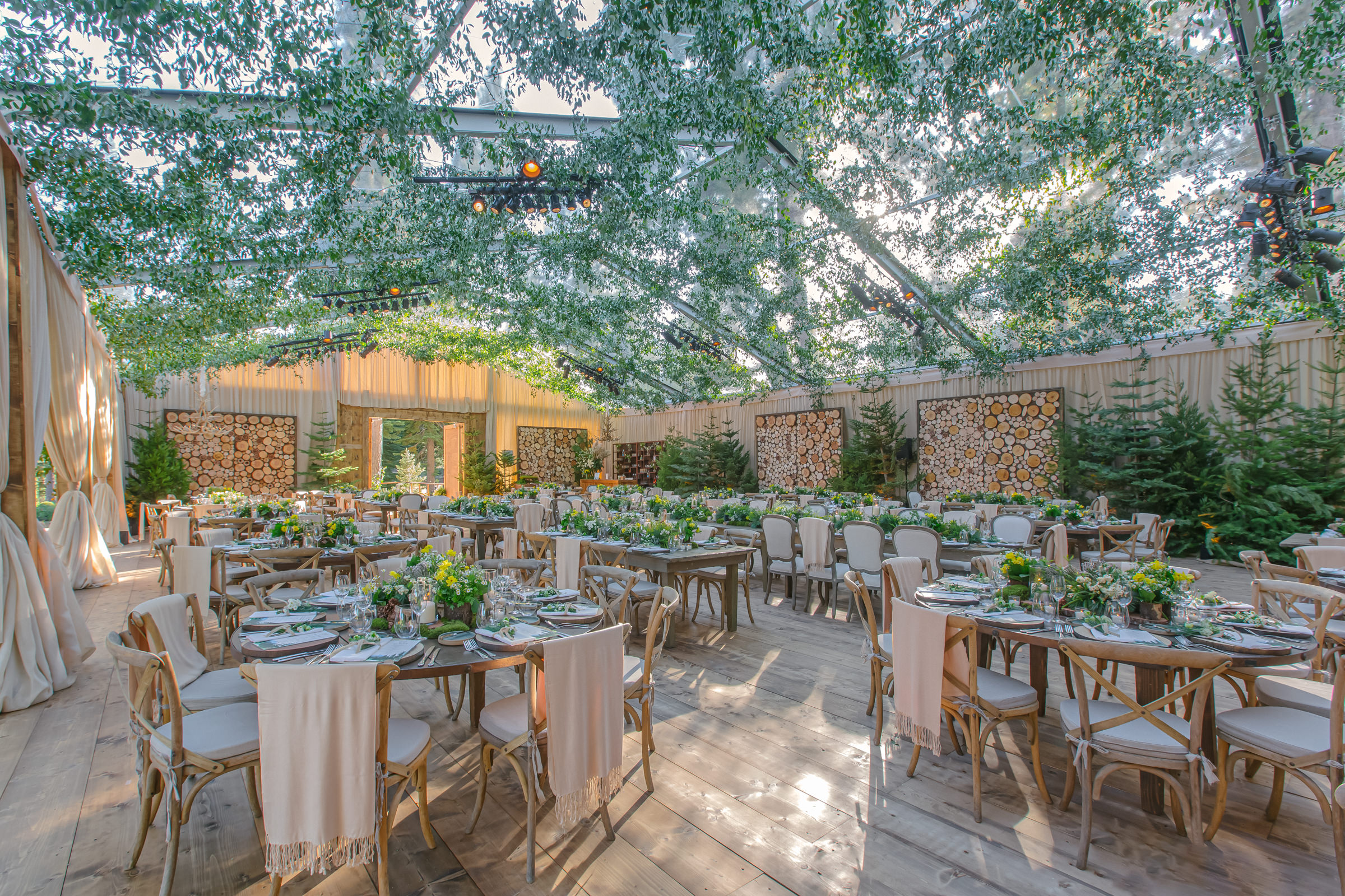Reception decor outdoors garden setting in champagne and green - photo by Amy and Stuart Photography