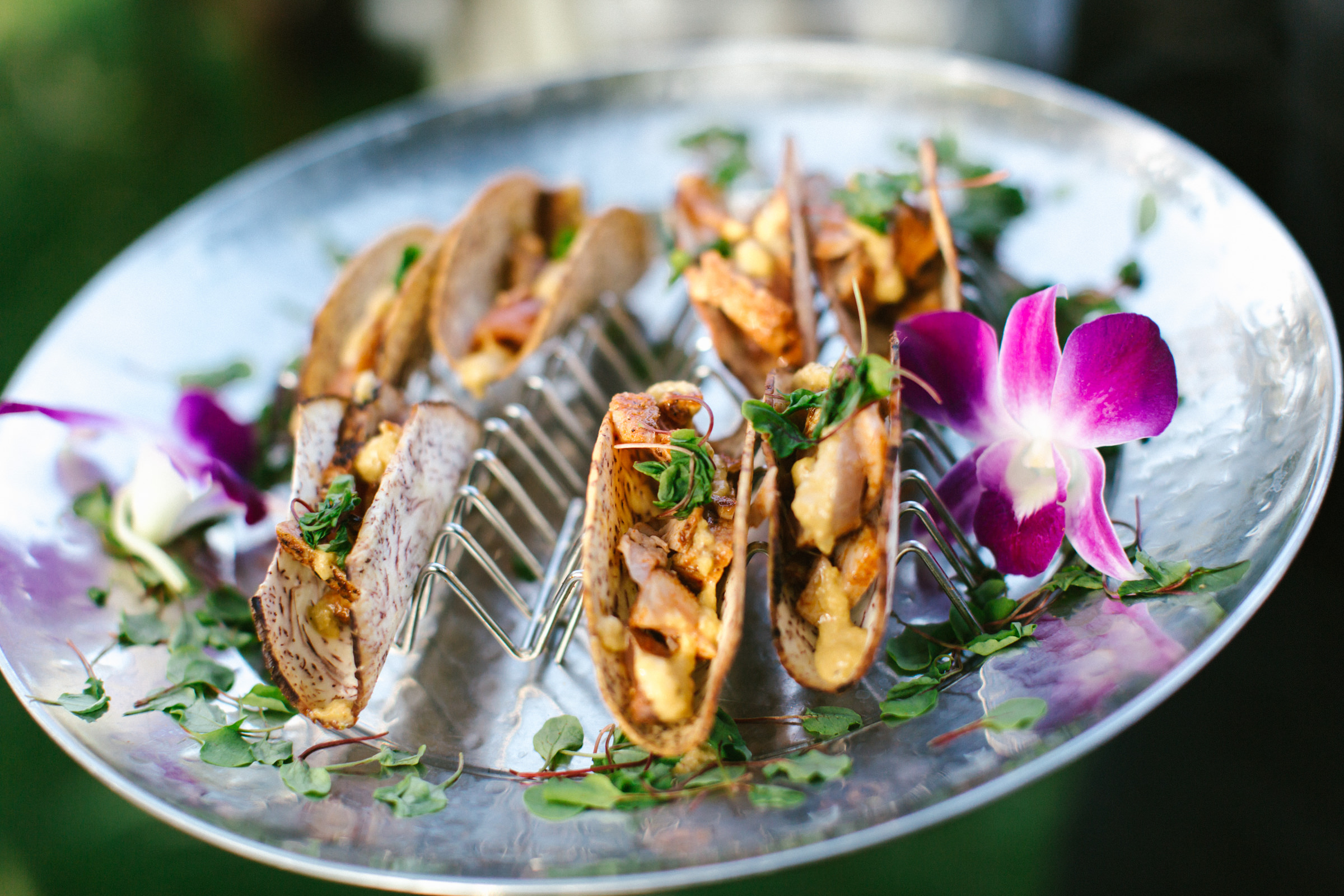 reception menu tacos on silver platter - photo by Amy and Stuart Photography