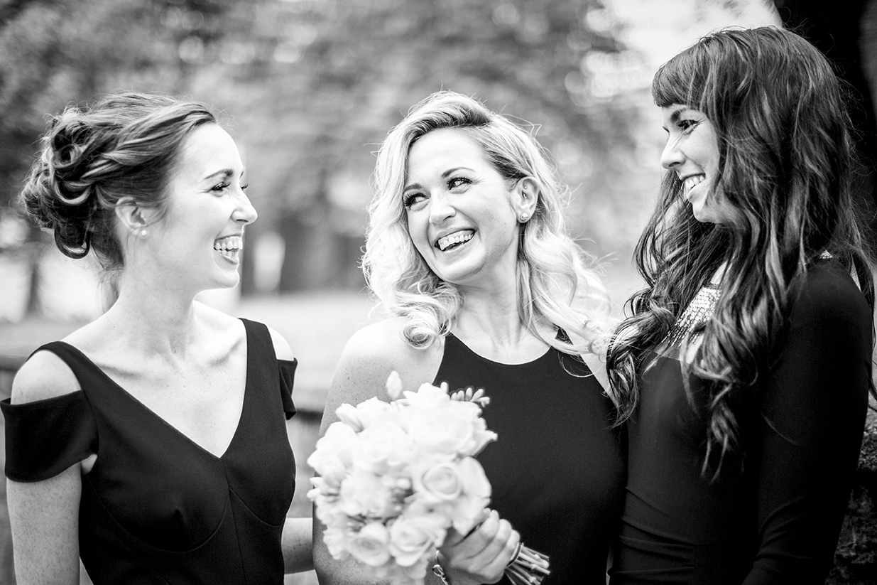 Light moment for bridal party - photo by Anna Schmidt Photography
