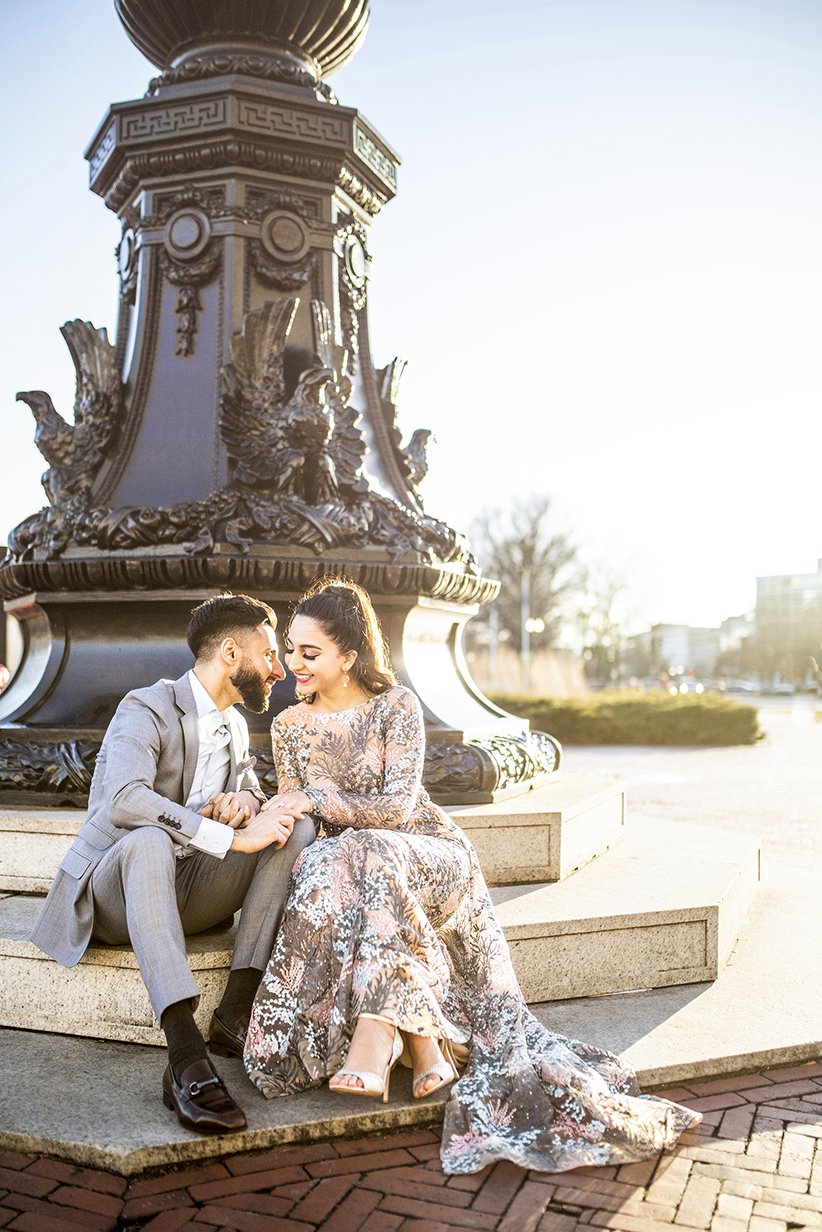 Stylish engagement photo at Union Station DC - photo by Anna Schmidt Photography