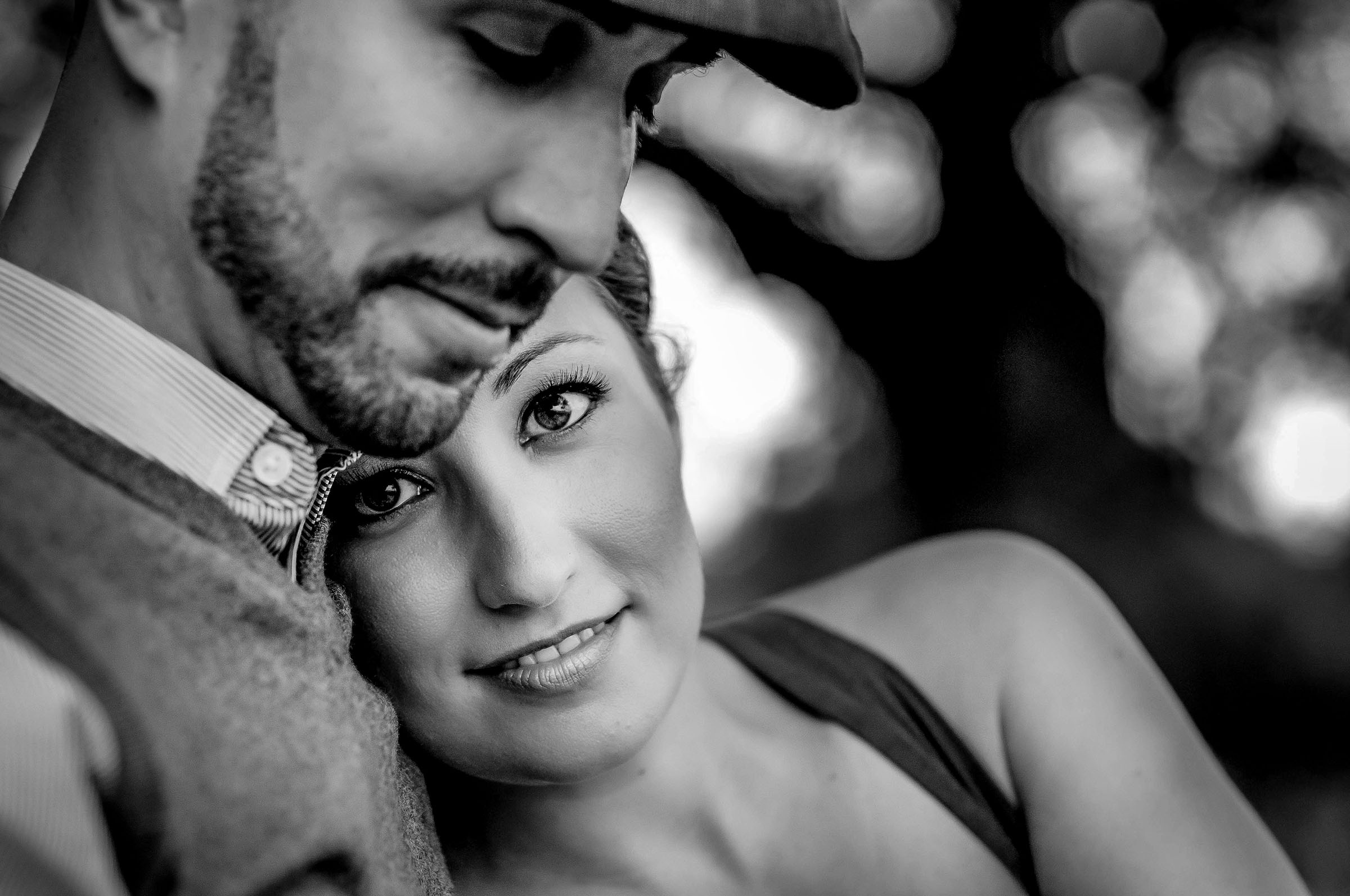 Couple engagement portrait- photo by Gloria Ruth Photography