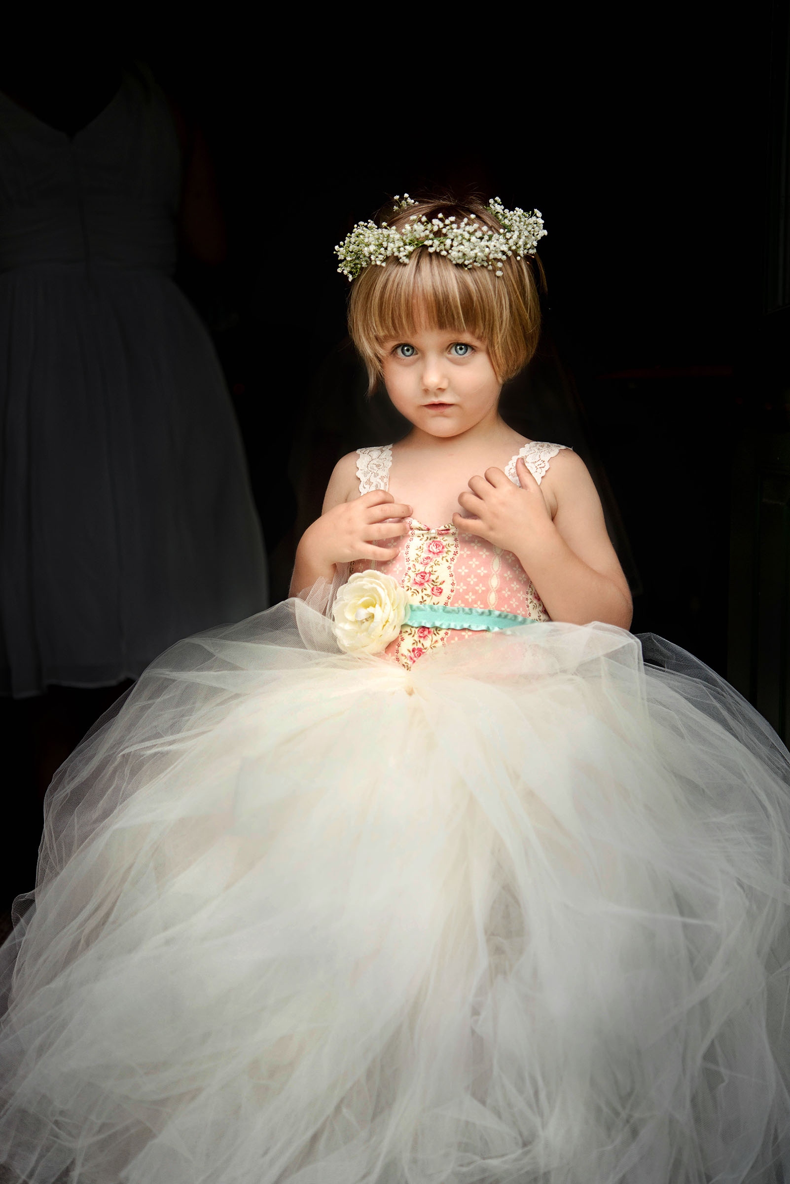 Sweet blue eyed flower girl portrait - photo by Gloria Ruth Photography