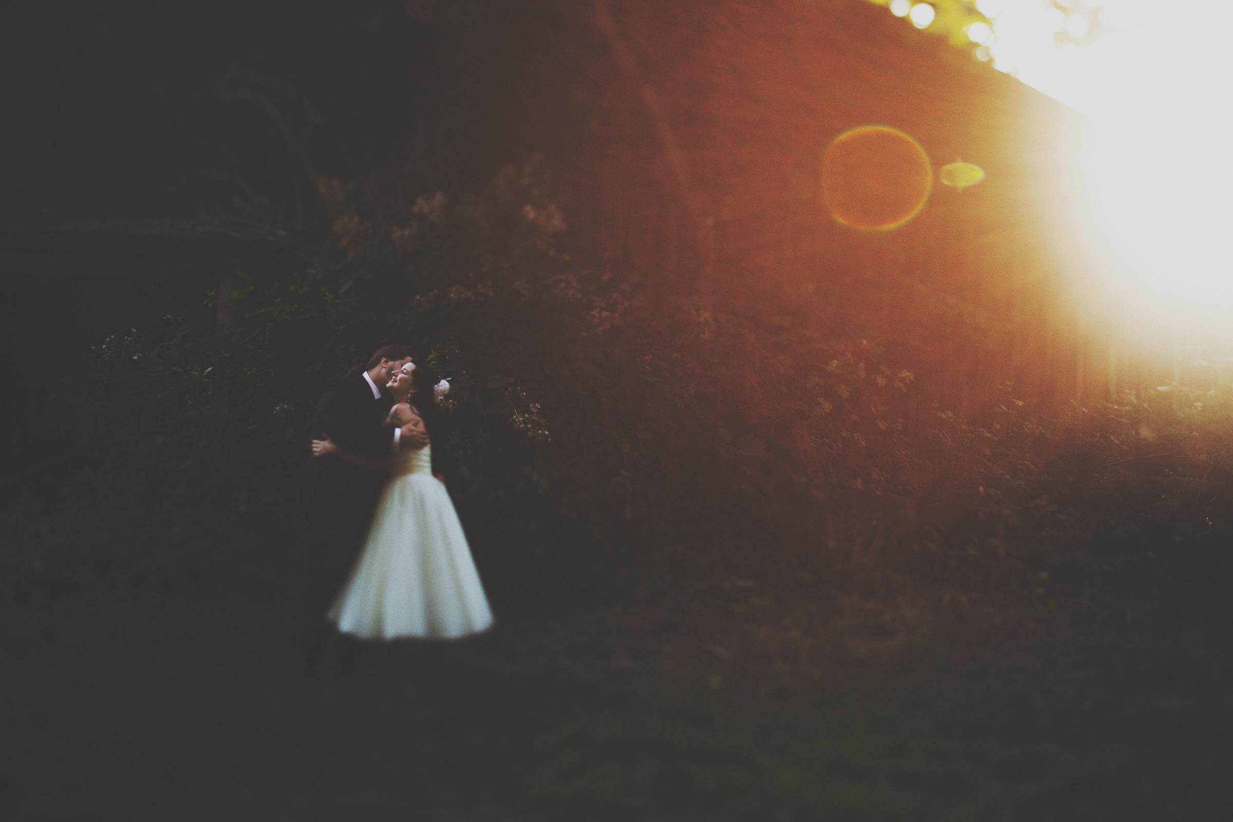 Lens flare outdoor couple portrait- photo by Jonas Seaman Photography