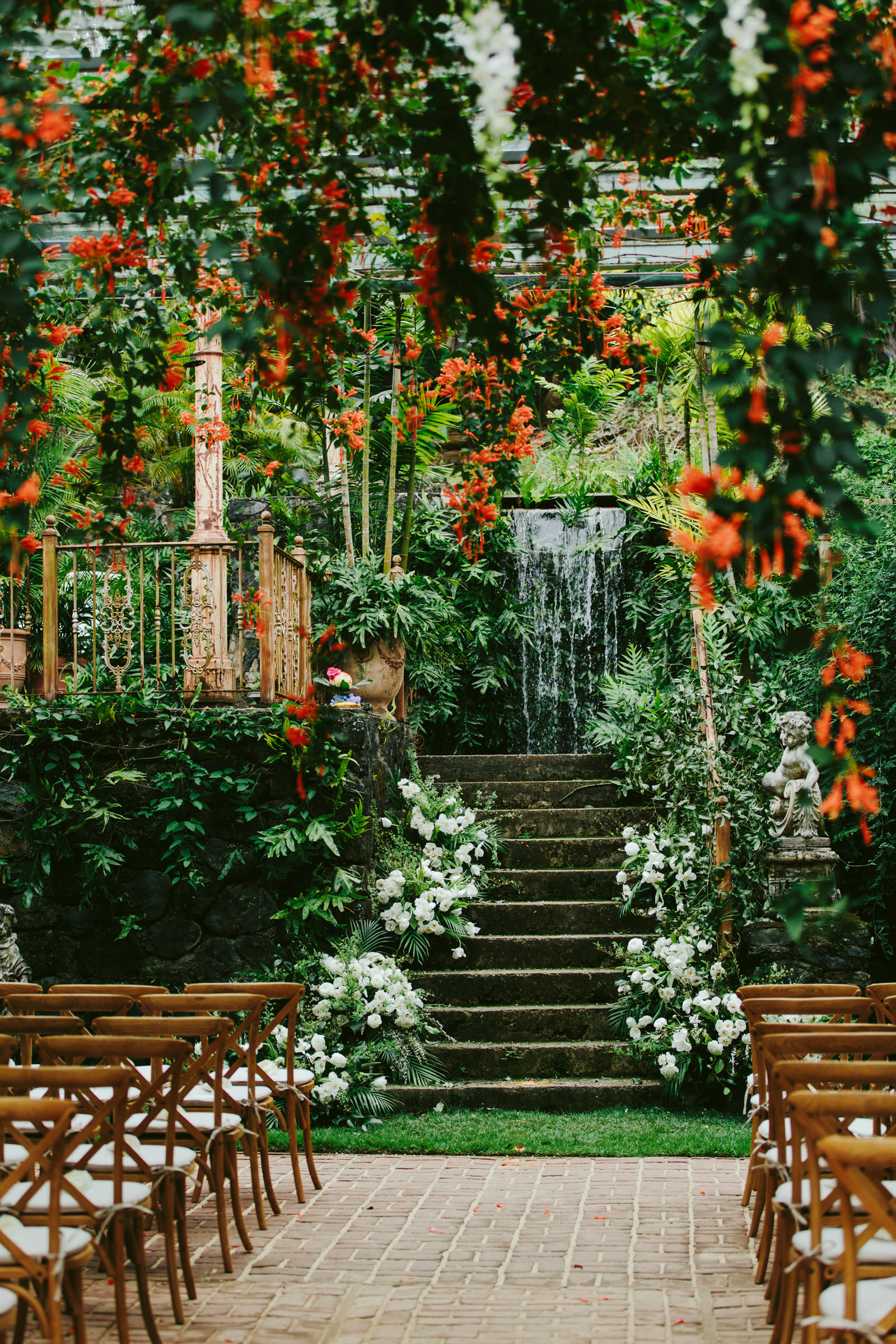 Beautiful ceremony decor - photo by Melia Lucida