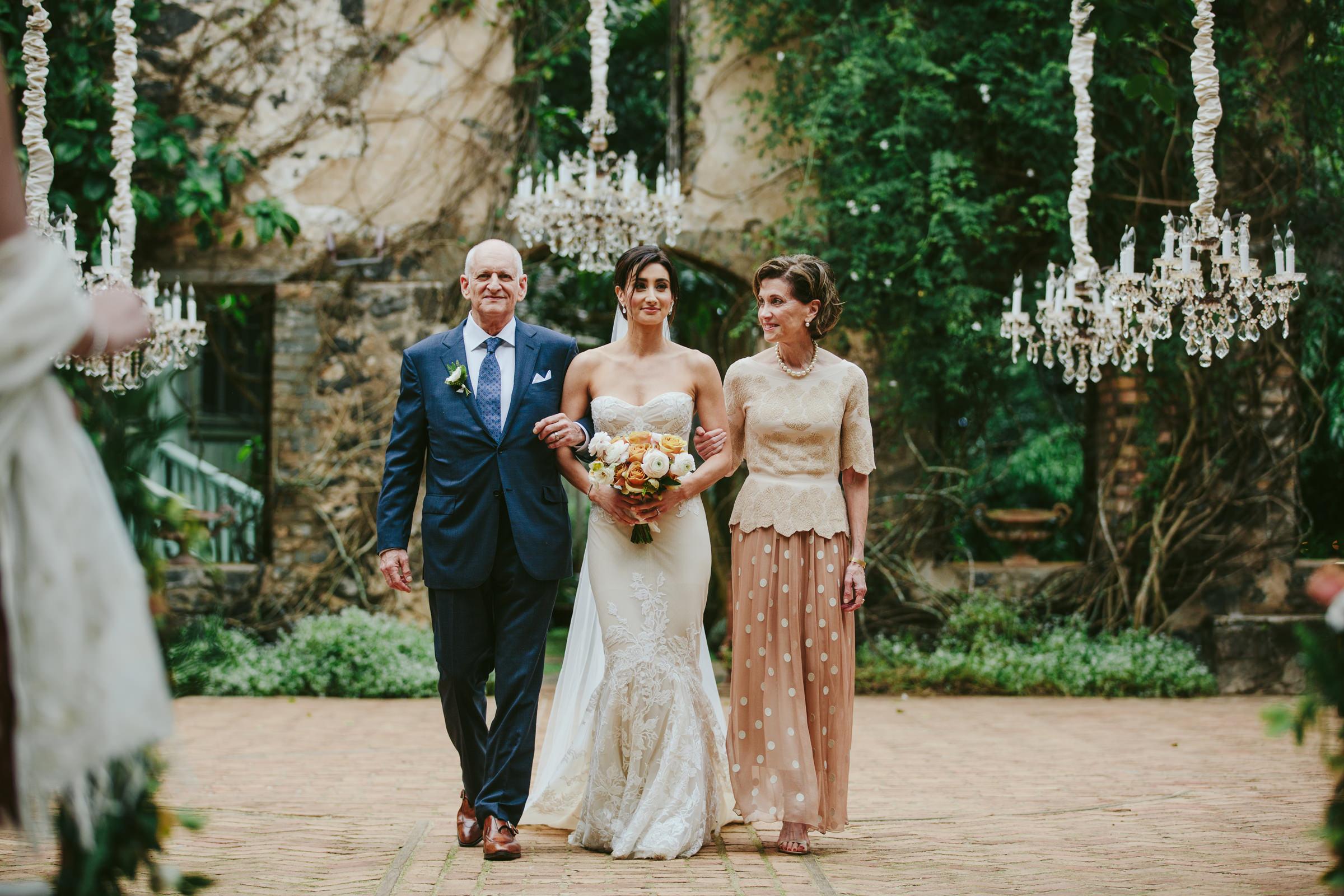 Haiku Mill maui bridal portrait with her parents - photo by Melia Lucida